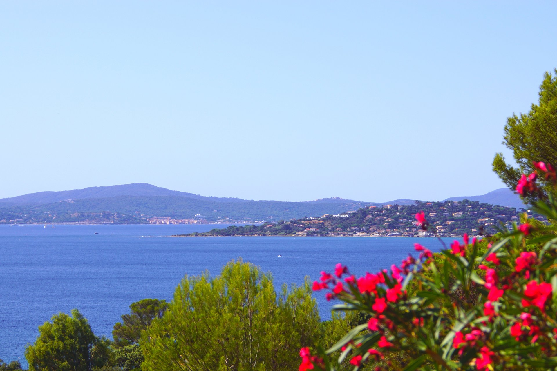 Les Issambres - 8 Luxury high standing apartments with great sea-view