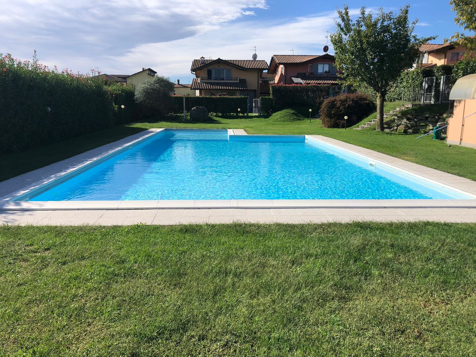 Villa for sale in Residence with swimming pool in Paruzzaro