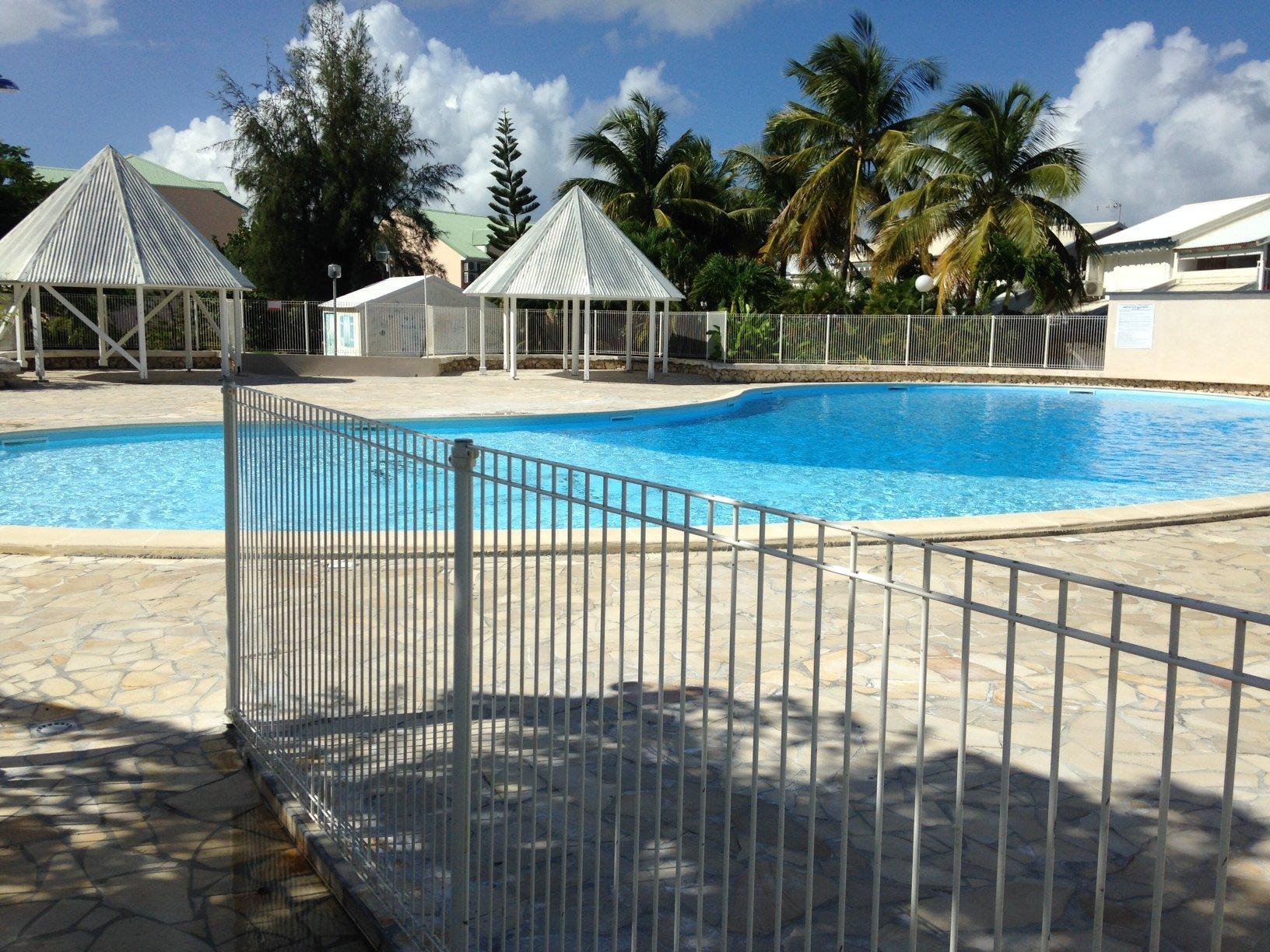 piscine résidence les marines de saint francois