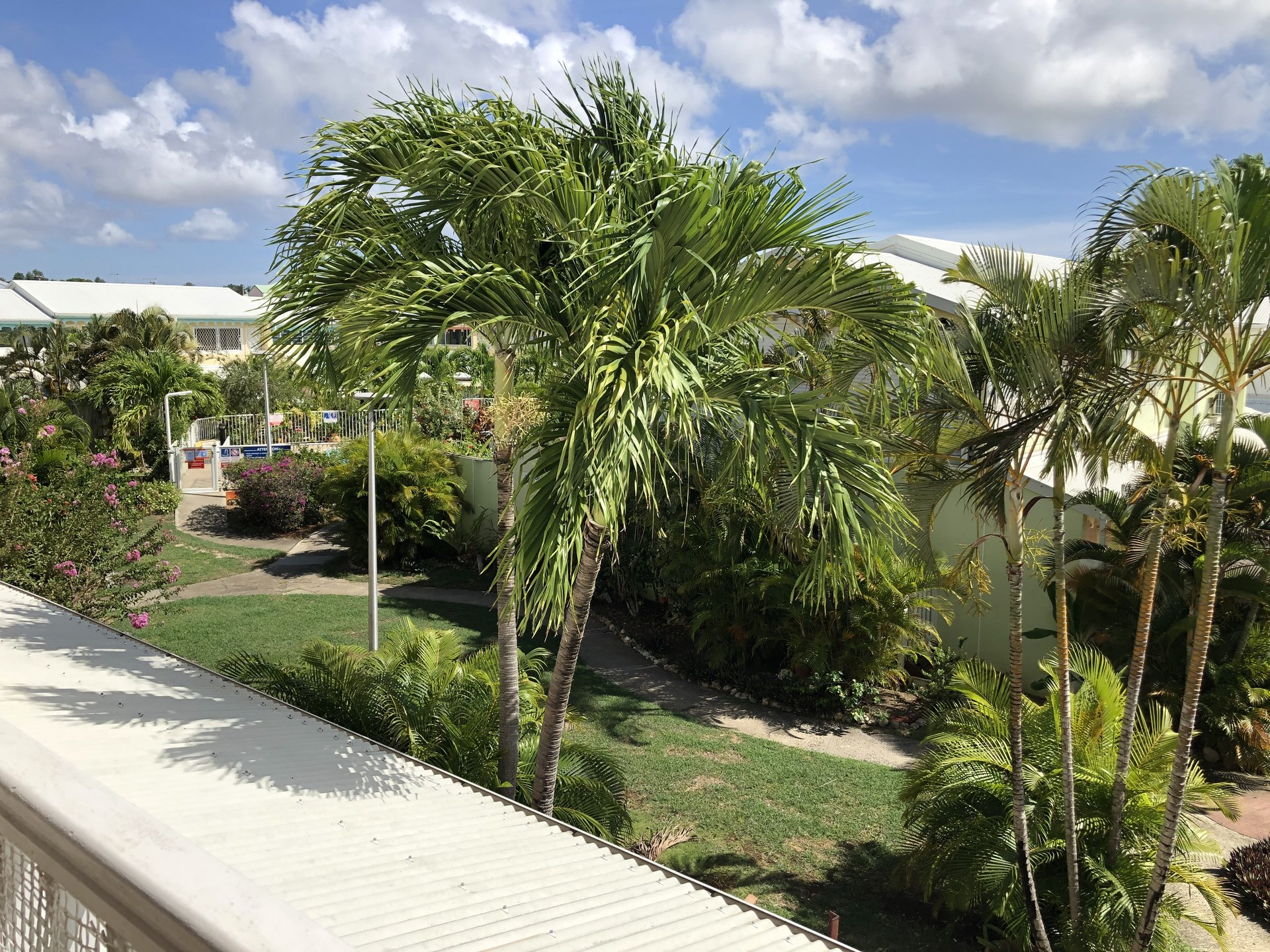 Beau studio rénové 24 m2 vue sur Marina