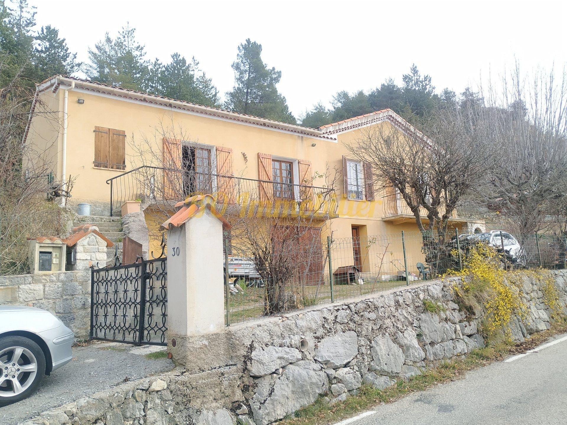 Magnifique maison 5p de 128m² + garage + terrain de 26000m² + chalet indépendant