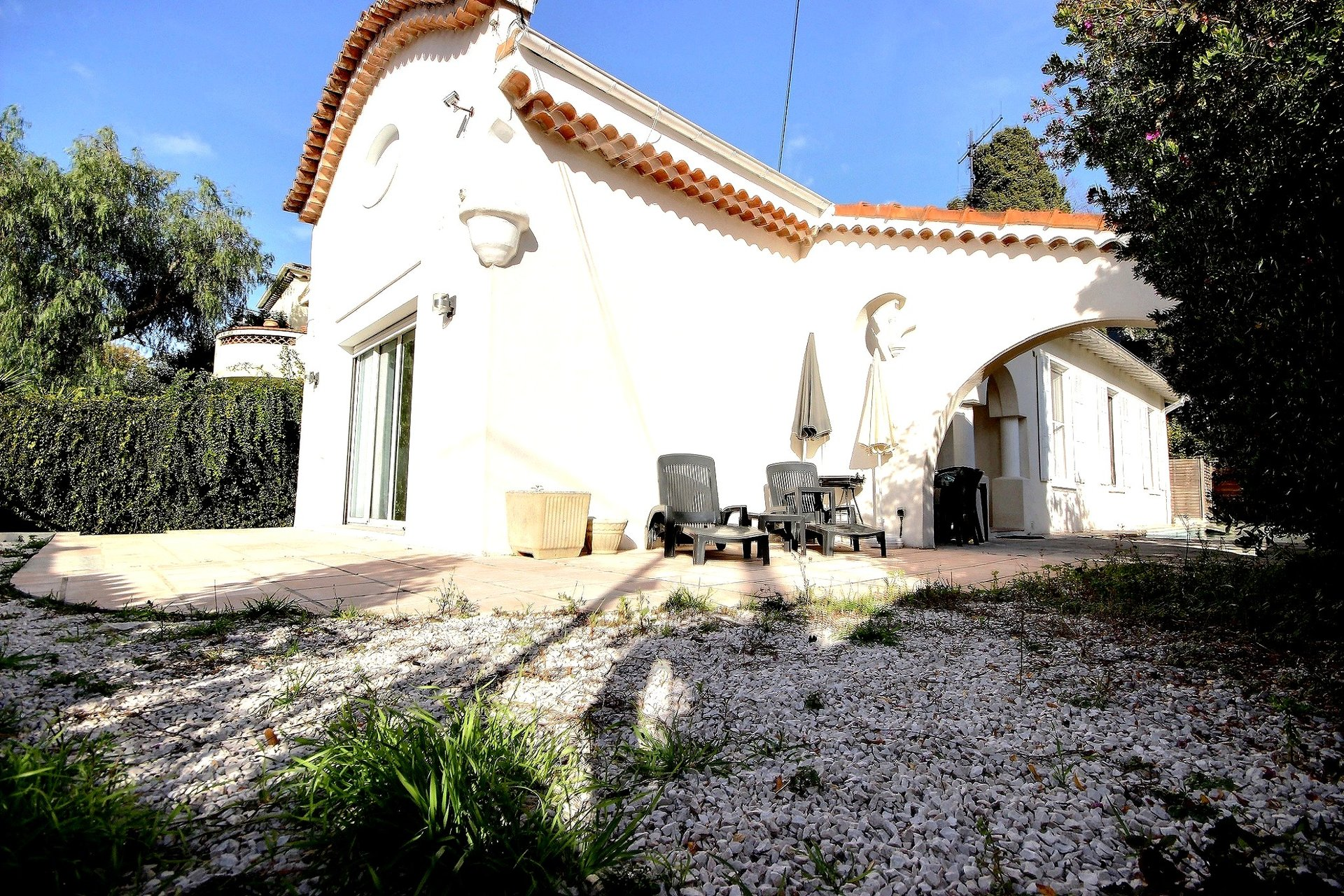 Villa for sale in Cannes Oxford with swimming pool