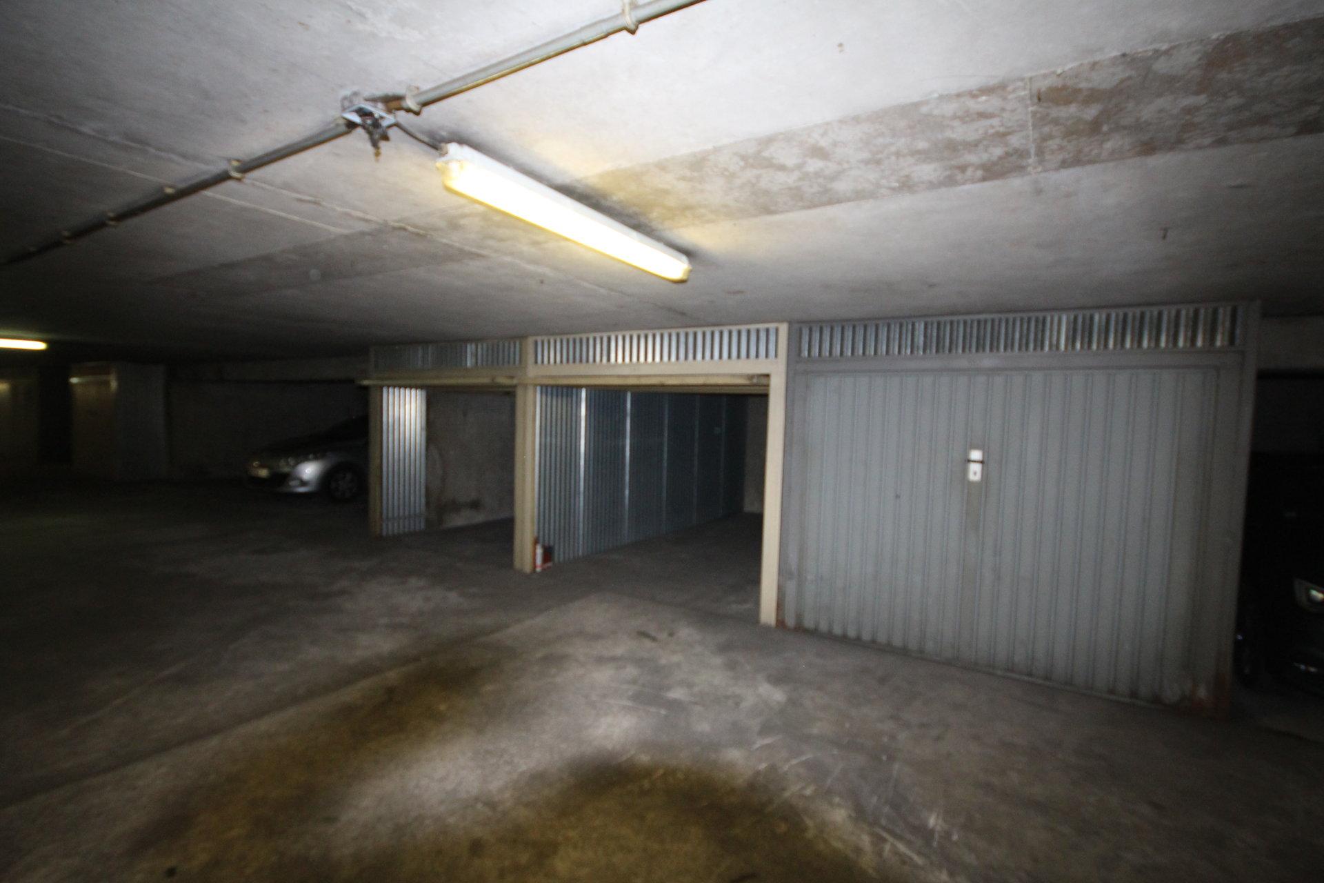BOX 12 M2 Metro Vaugirard
