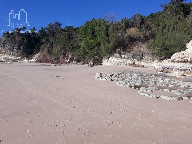 Terrain en bordure de plage - Madagascar