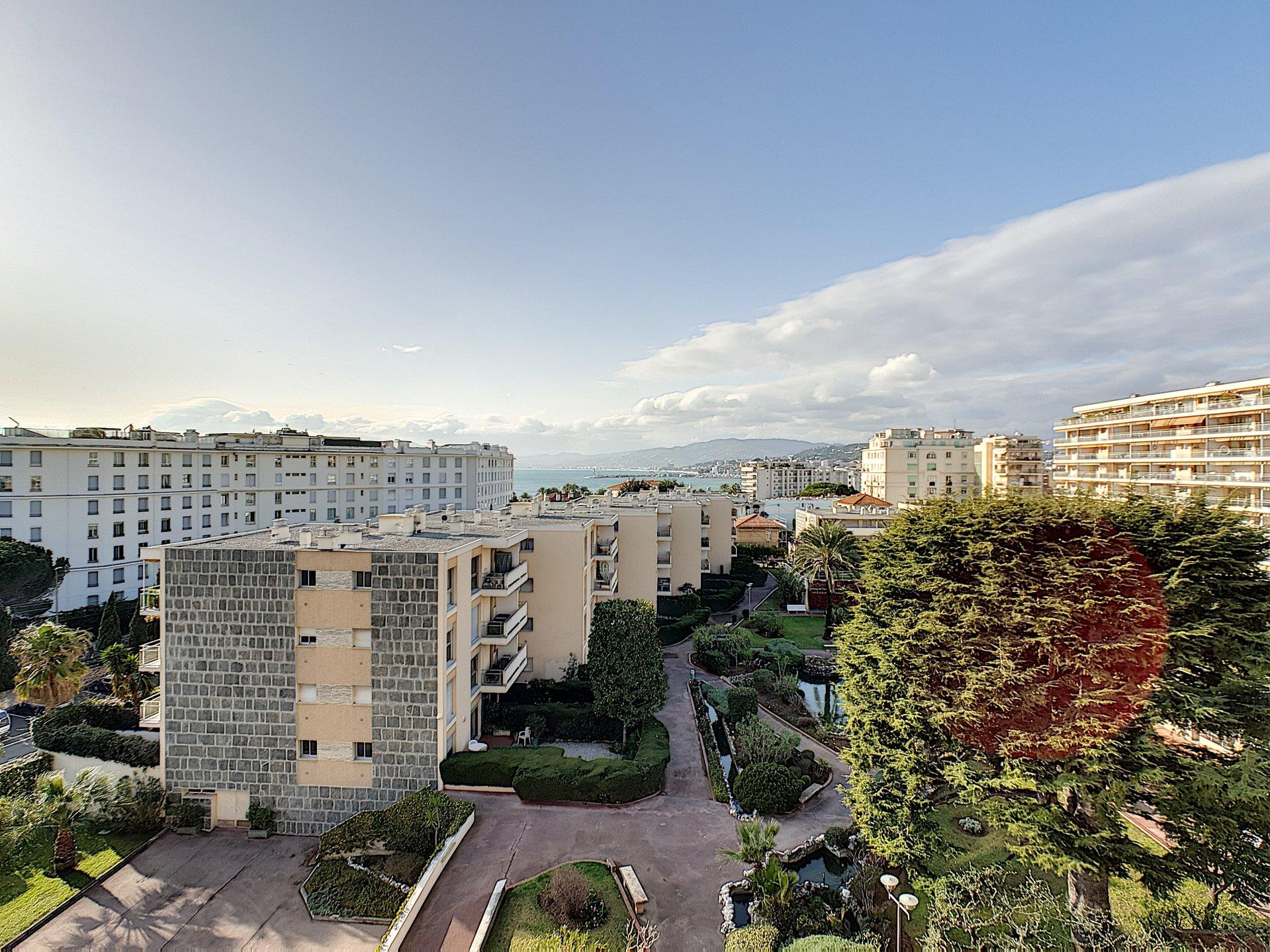 Sale Apartment - Cannes Pointe Croisette