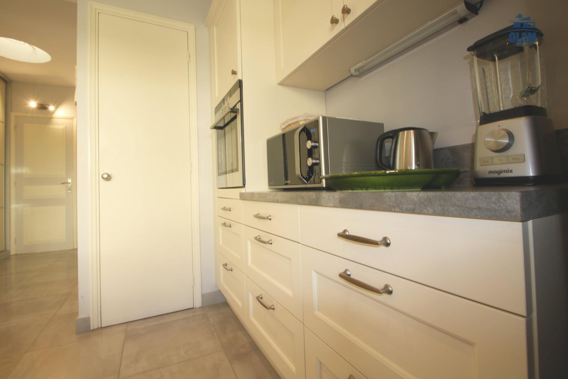 Fully-equipped kitchen, Cannes, Croisette, French Riviera