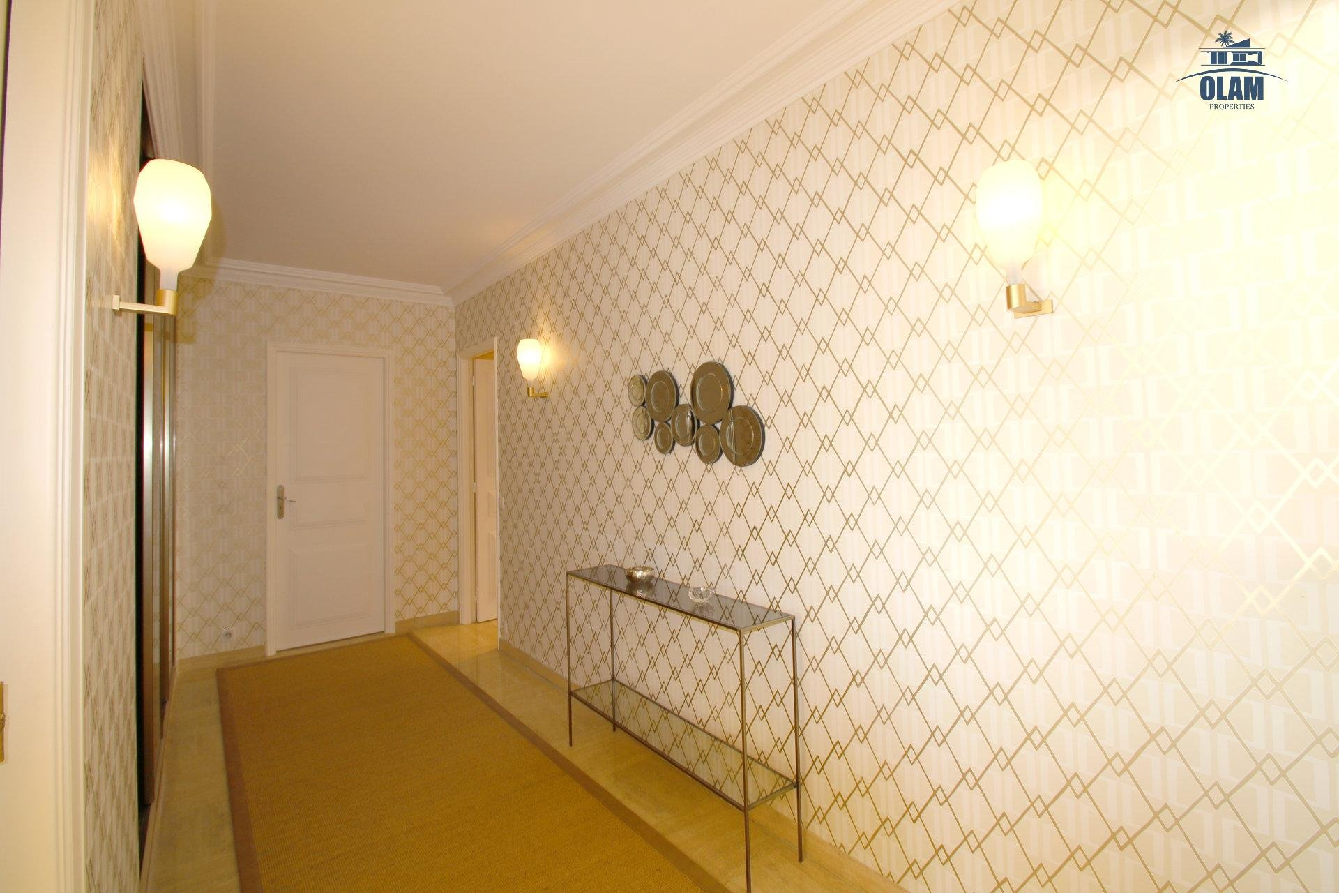 Hall entrance, Cannes, French Riviera, 3 bedroom apartment, seasonal rental