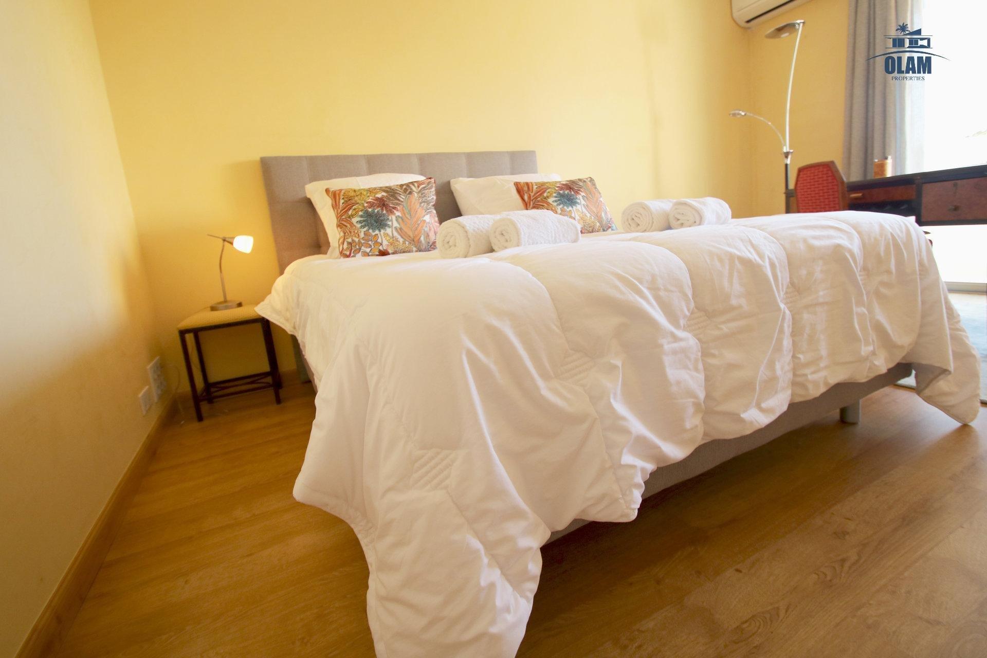 Chambre, lit 160, Cannes, Croisette, Côte d'Azur, cozy