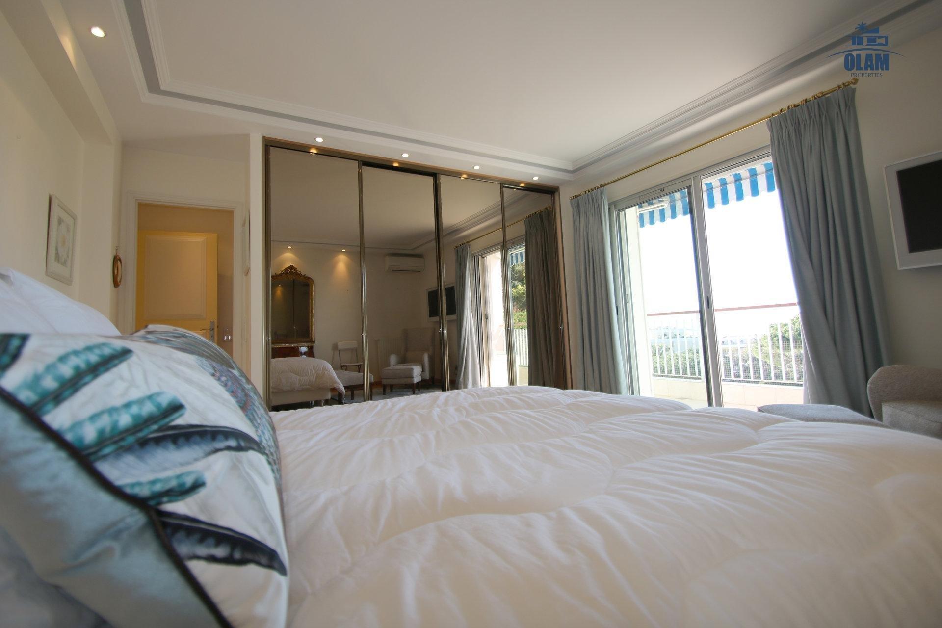 Superbe appartement, 3 chambres, vue panoramique mer, classé 4*
