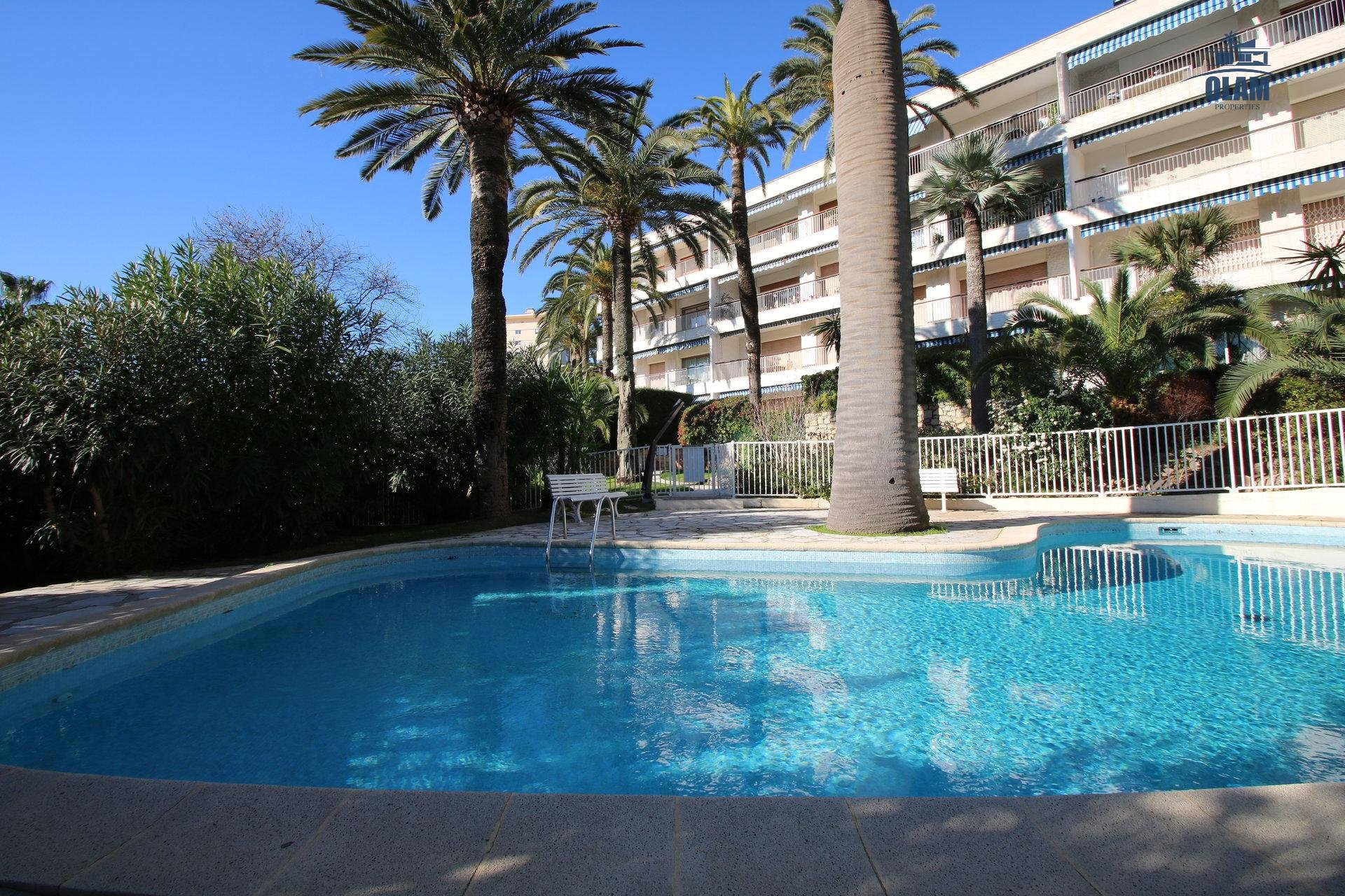 pool, wooded park, Cannes, Palais des Festivals, French Riviera