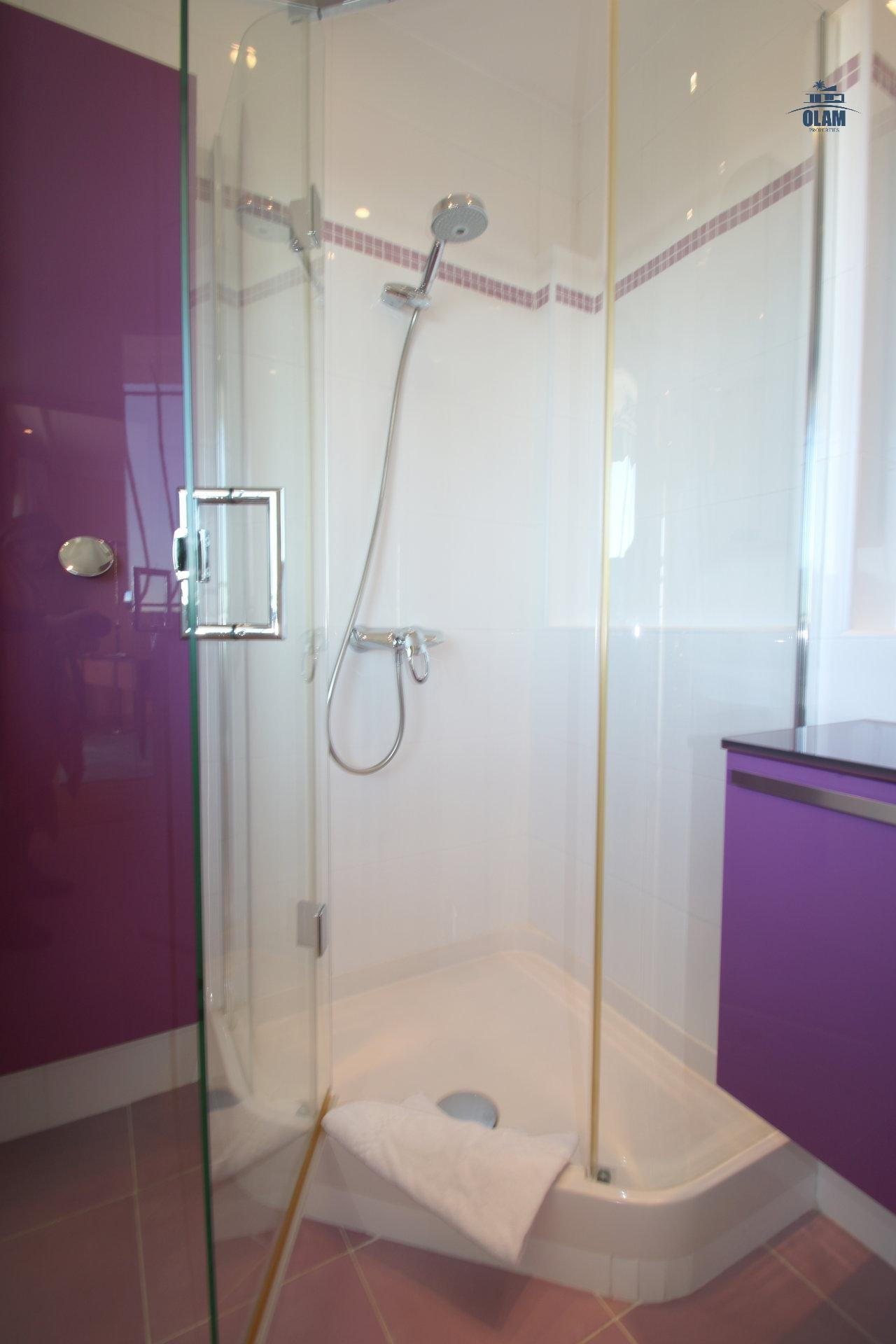 Shower room in-suite, Cannes, Croisette, French Riviera, seasonal rental