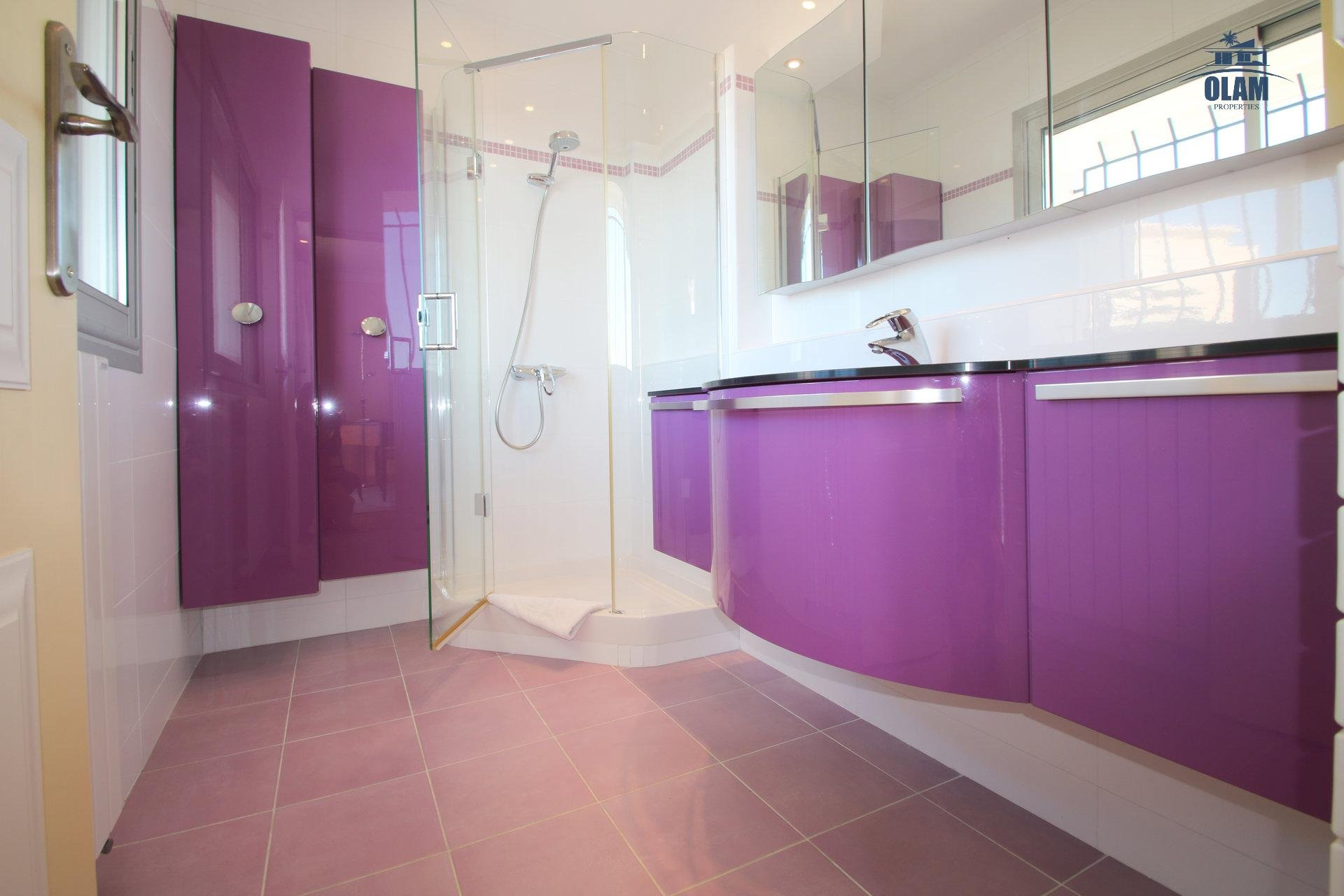 Shower room, Cannes, 3 bedroom apartment, French Riviera