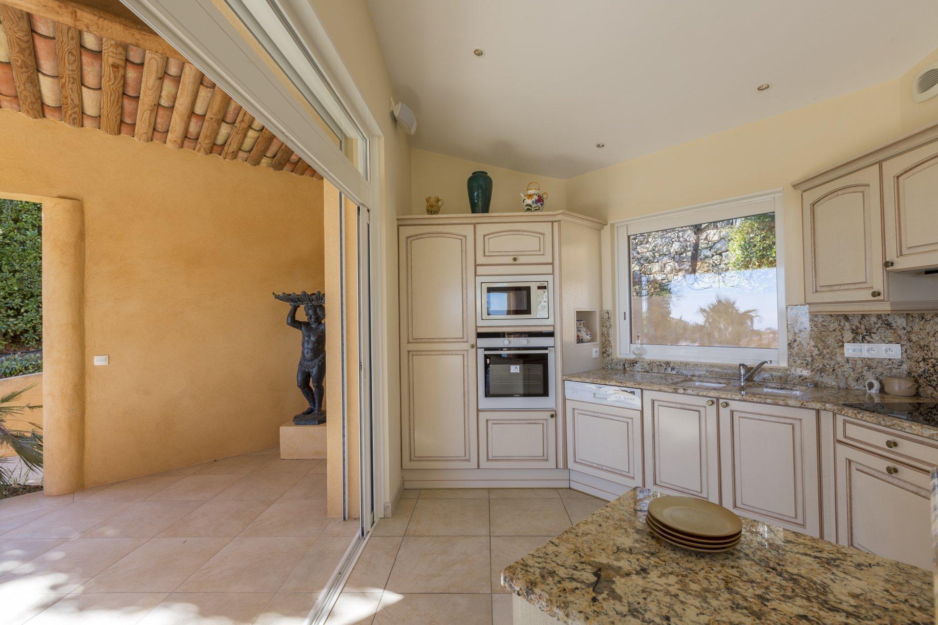 A Cabris, magnifique villa d'architecte avec vue panoramique
