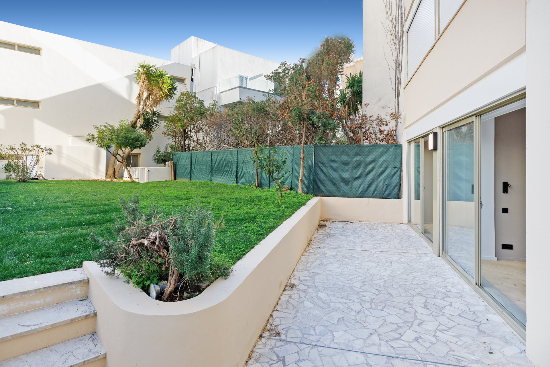 SOLE AGENT CANNES CROISETTE 180 SQM APARTMENT WITH SEA VIEW