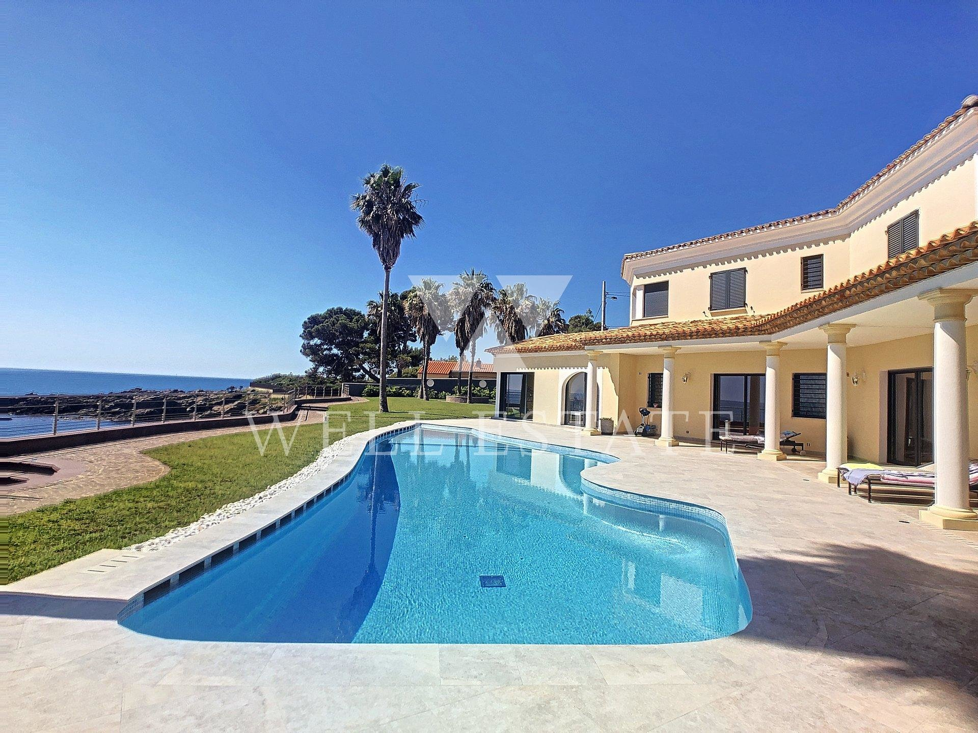 SAINT AYGULF BEACH FRONT 500M2 VILLA 6 BEDROOMS SWIMMING POOL