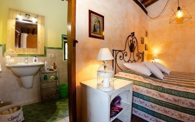 ITALY, TUSCANY, MONTECATINI TERME, FARMHOUSE WITH POOL,  5 PERSONS