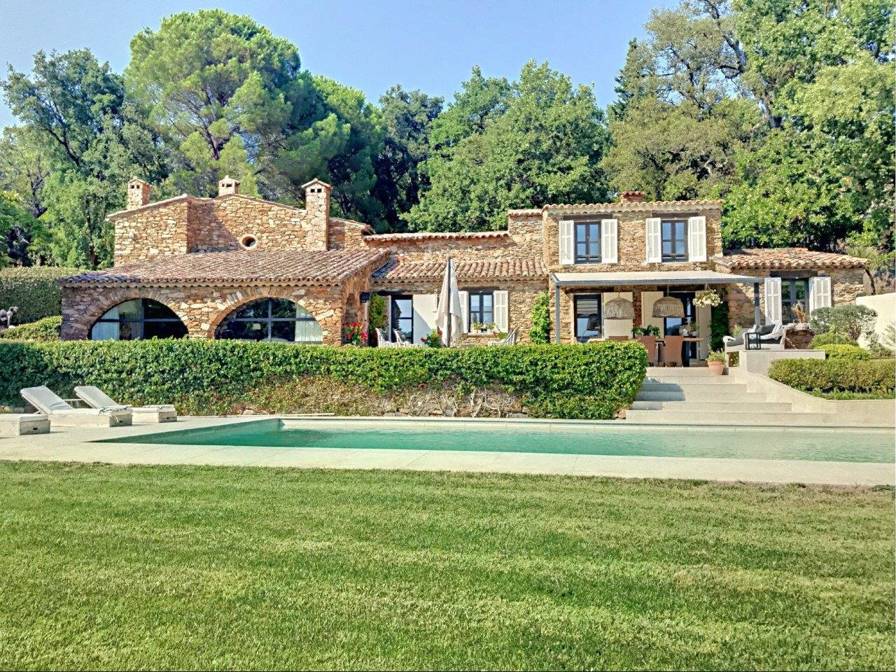 Beautifully renovated 19th century bastide in quiet area