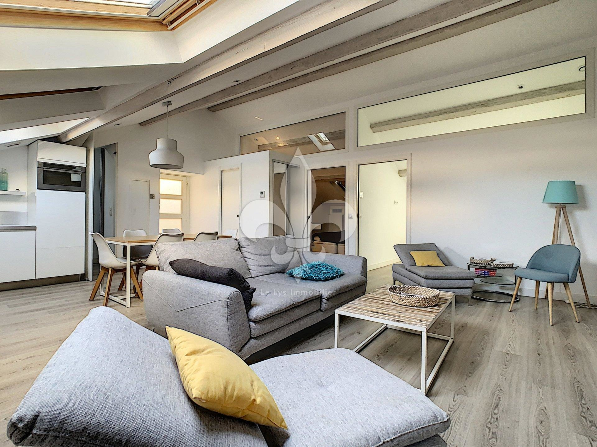 Cannes - Banane: 4 room apartment completely renovated on the top floor