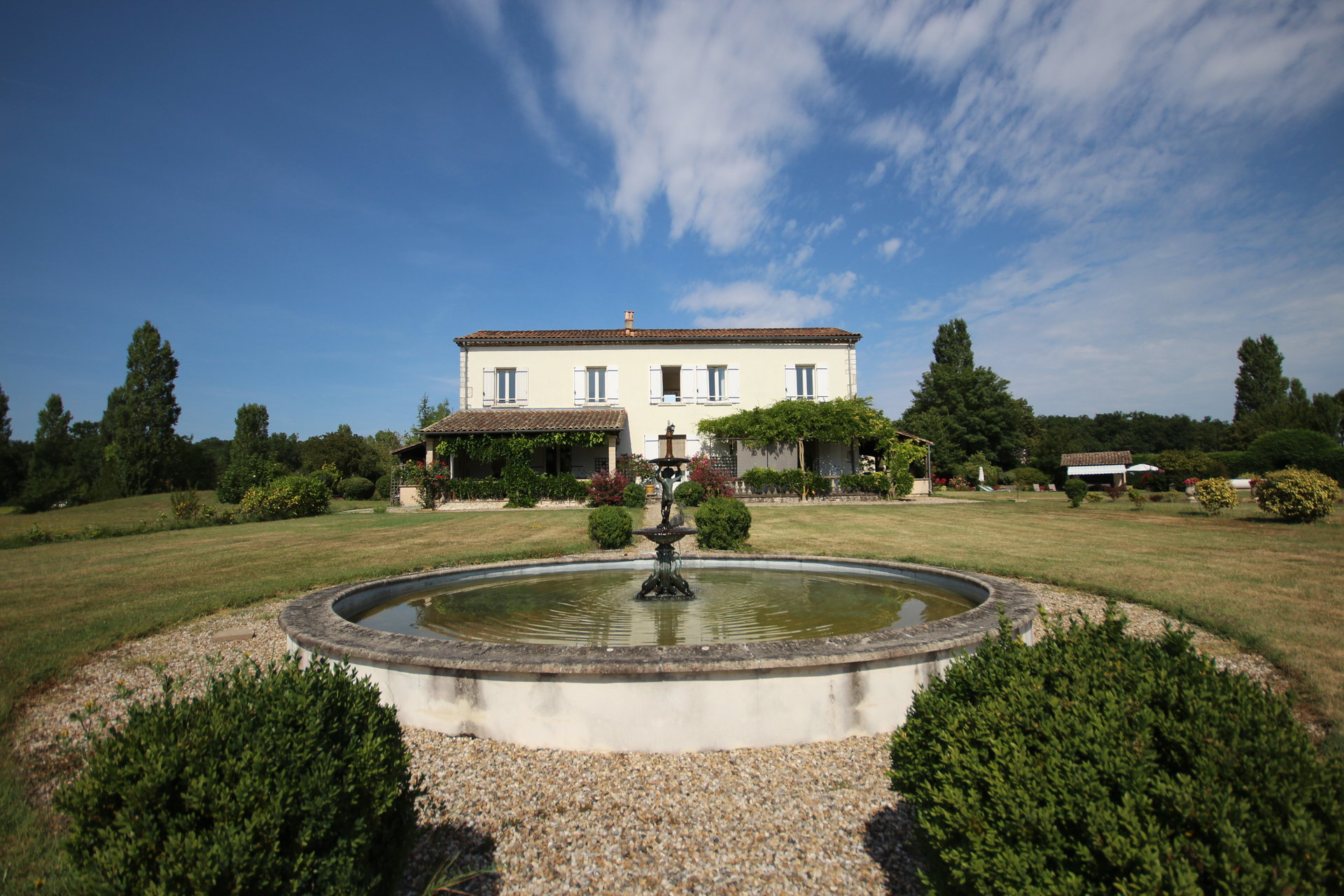 Fabulous country estate close to Eymet and Chateau Vigiers