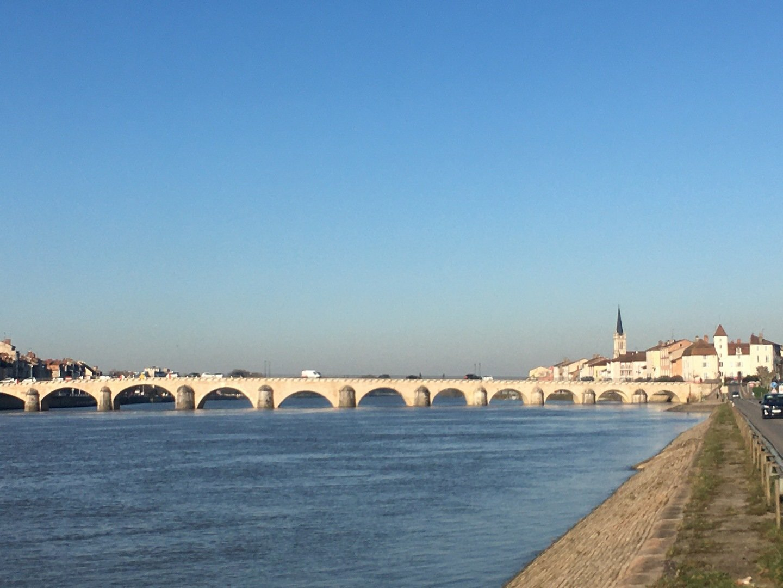 BEL APPARTEMENT 7 mn Pont de Veyle