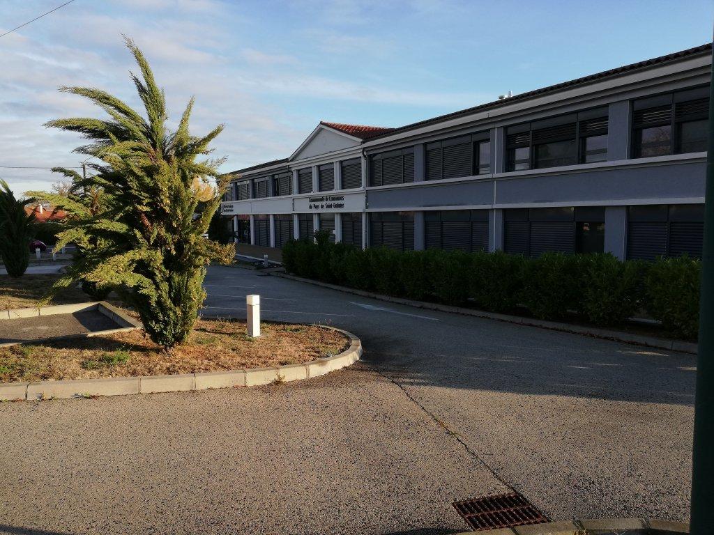 SAINT- GALMIER - Bureau neuf de 56m²