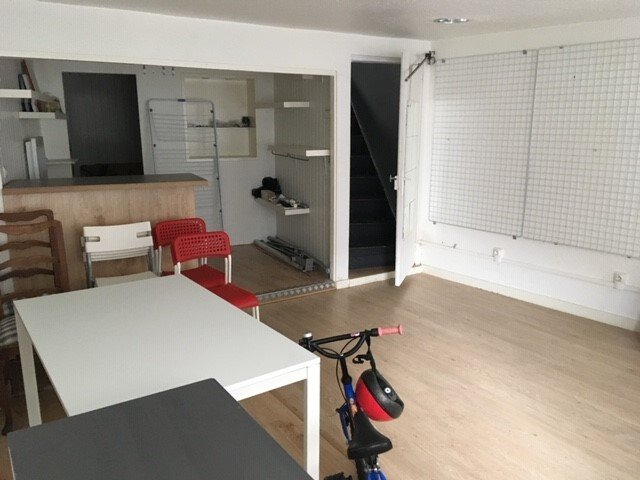 SAINT-JUST-SAINT-RAMBERT- LOCAL 40 m²