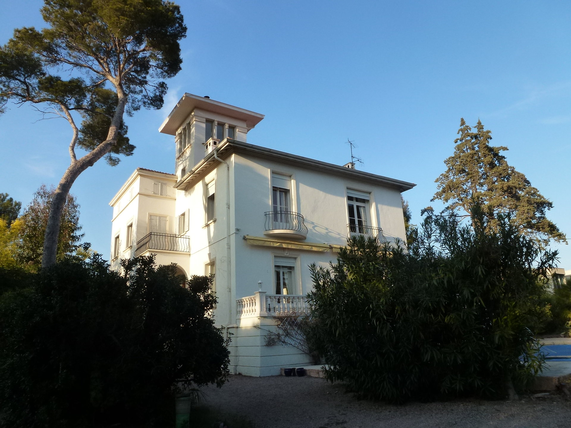 Villa belle époque close to the sea in Saint-Raphaël