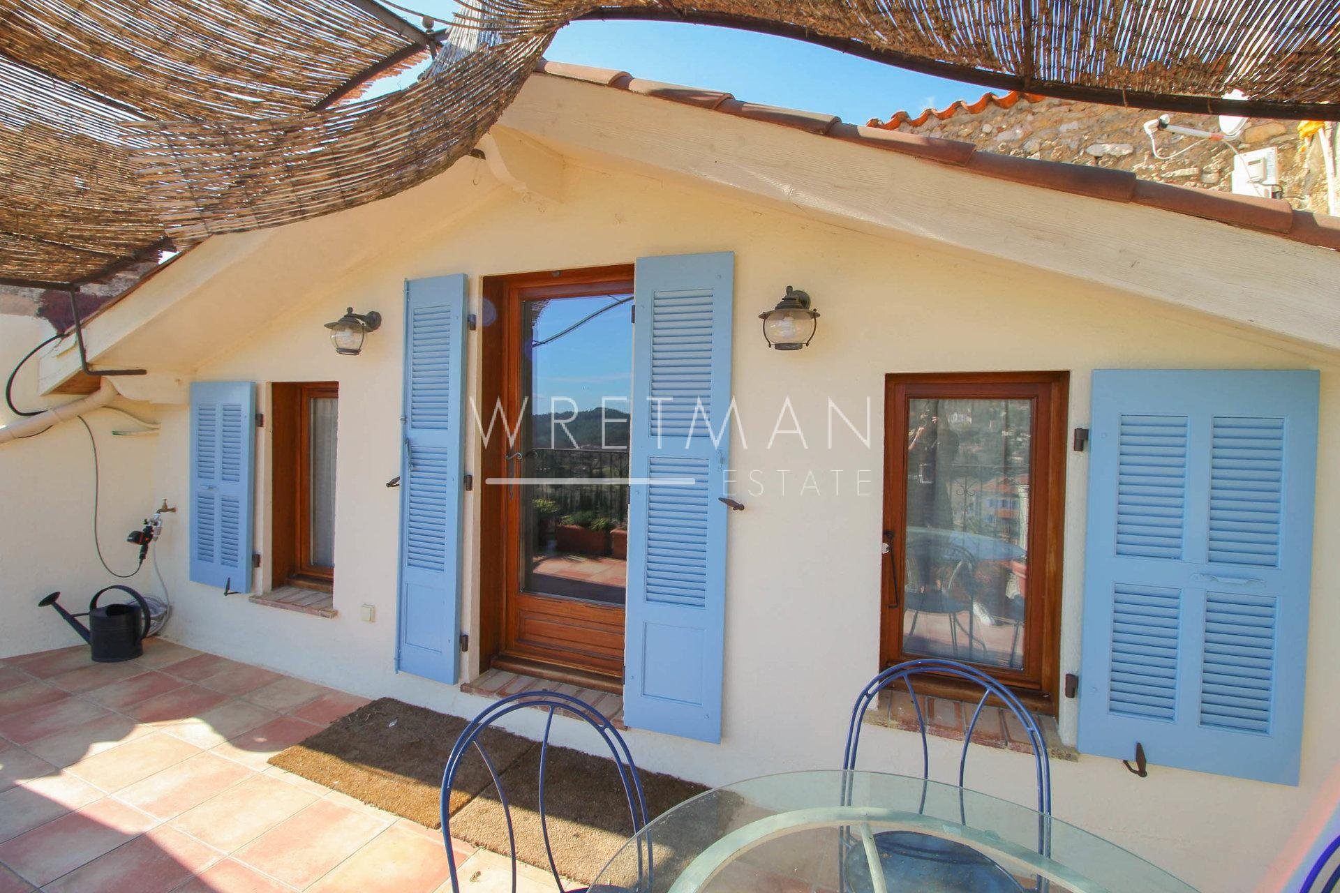 Village house with panoramic view - Seillans