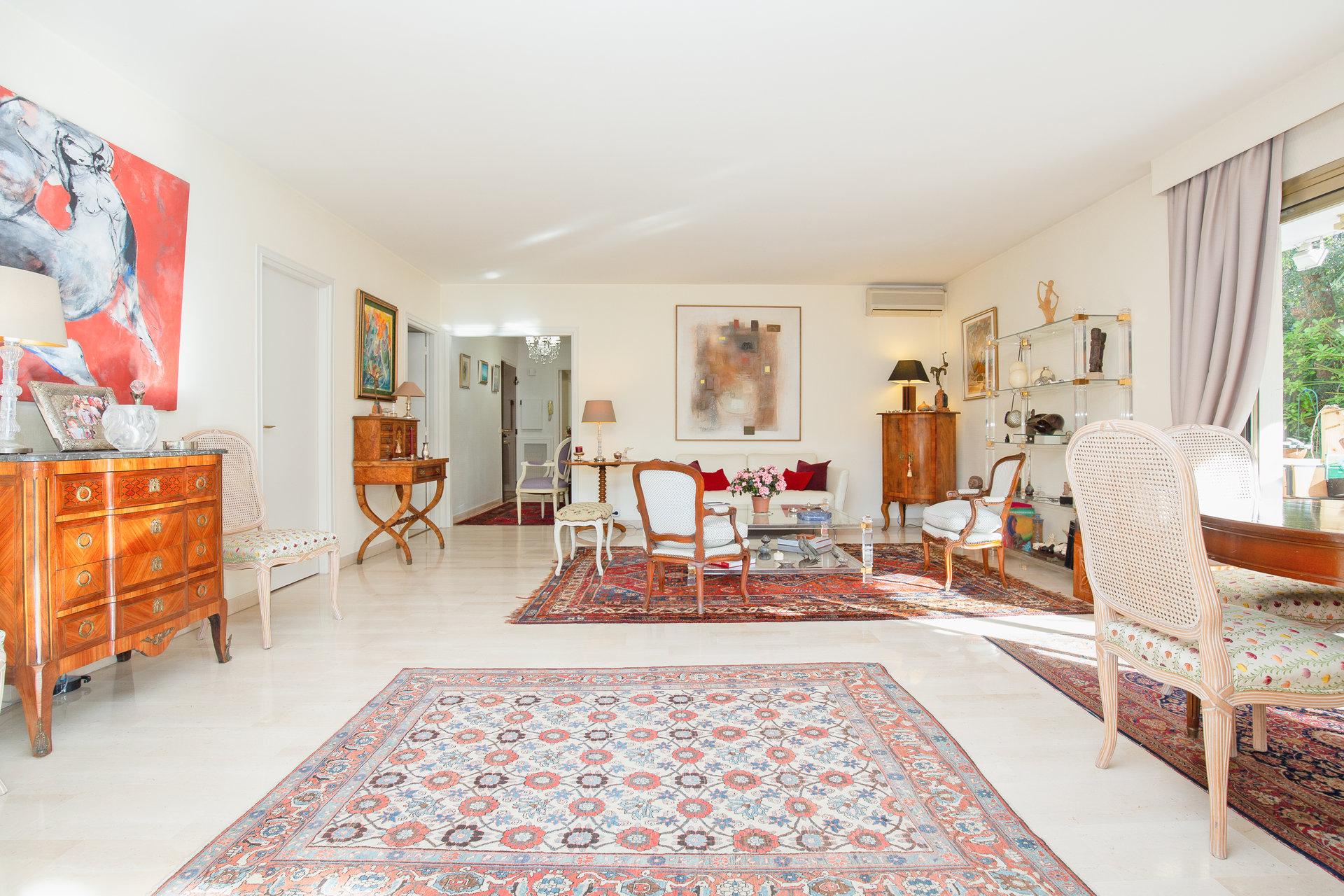 Cannes Montfleury 4P 100 m2 / rez de jardin 200 m2