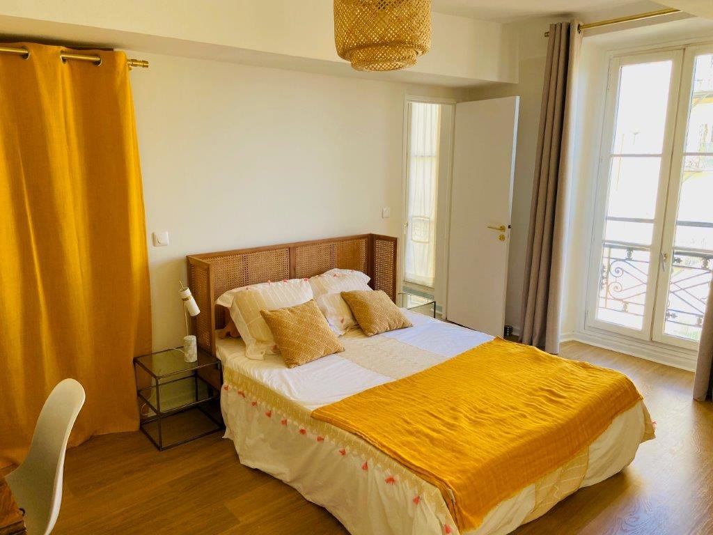 3 ROOMS - SALEYA COURSE WITH SEA VIEW