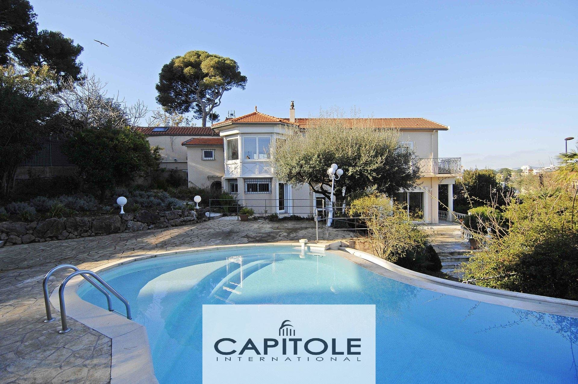 Antibes- For sale - Panoramic sea front property of 220m²