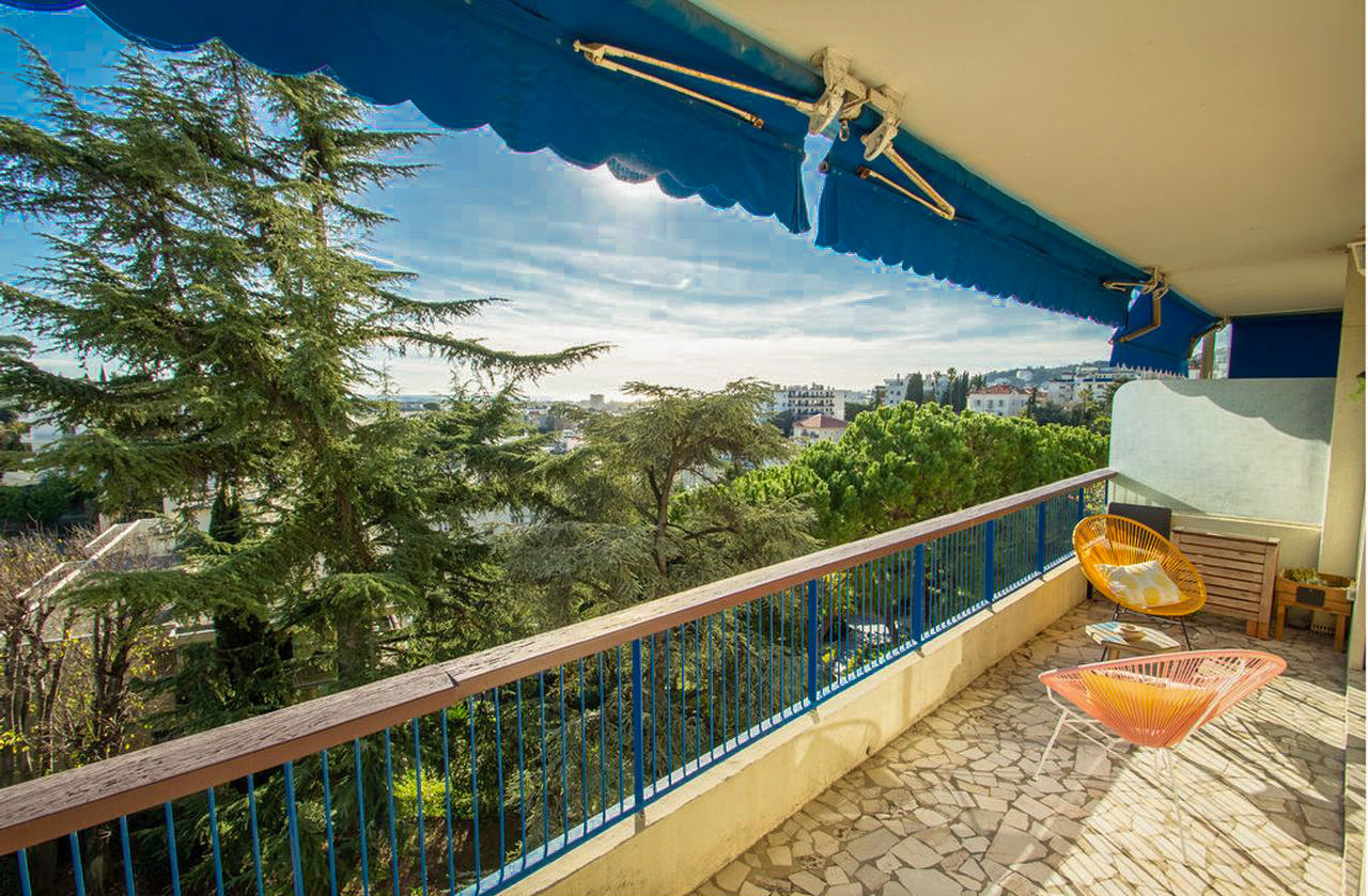 Modern 2-bedroom with terrace, cellar and parking - Nice Cimiez