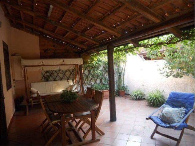 Semi-detached villa with 5 min walk to the beach