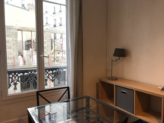Appartement 2 pièces Paris 18ème  Metro Abbesse