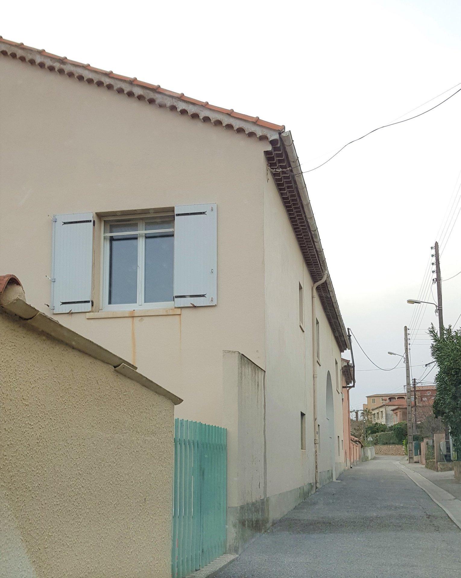 Sale Building - Bormes-les-Mimosas