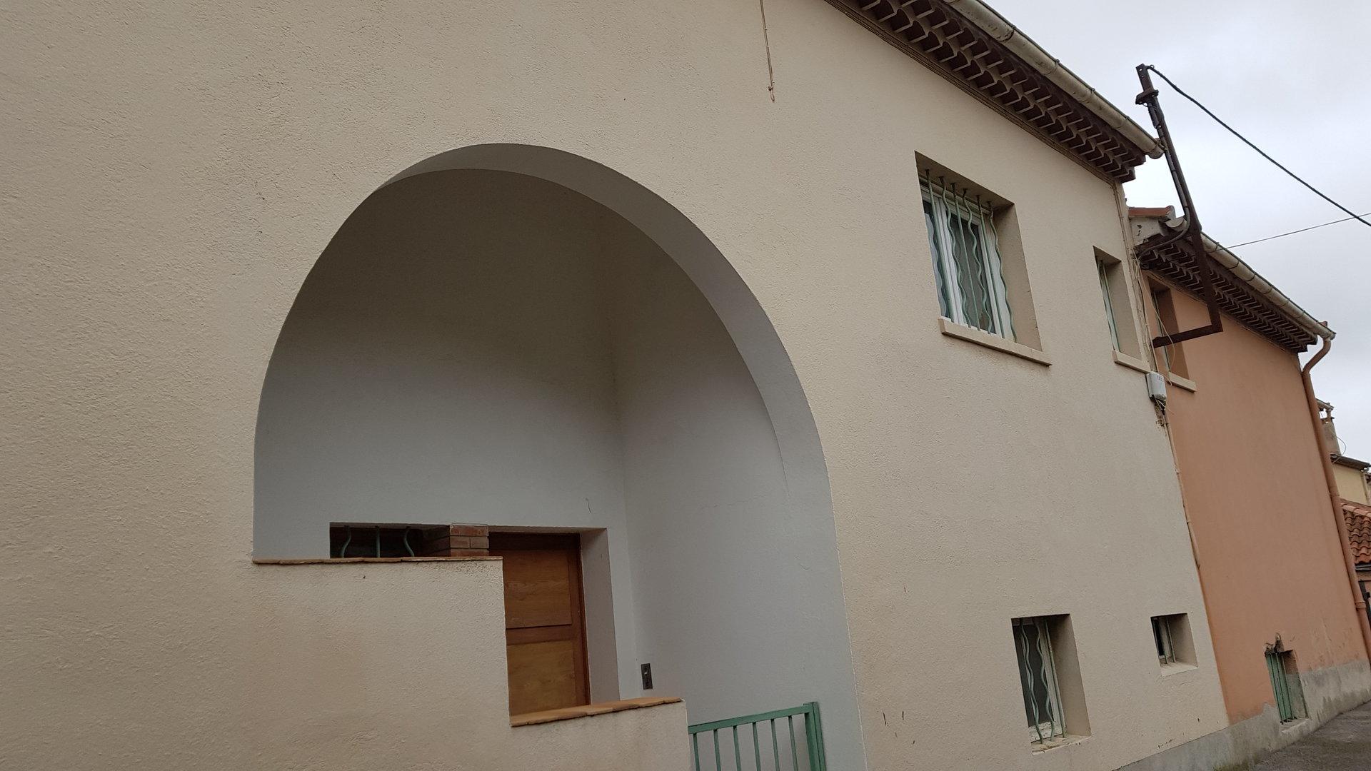Sale Building - Hyères