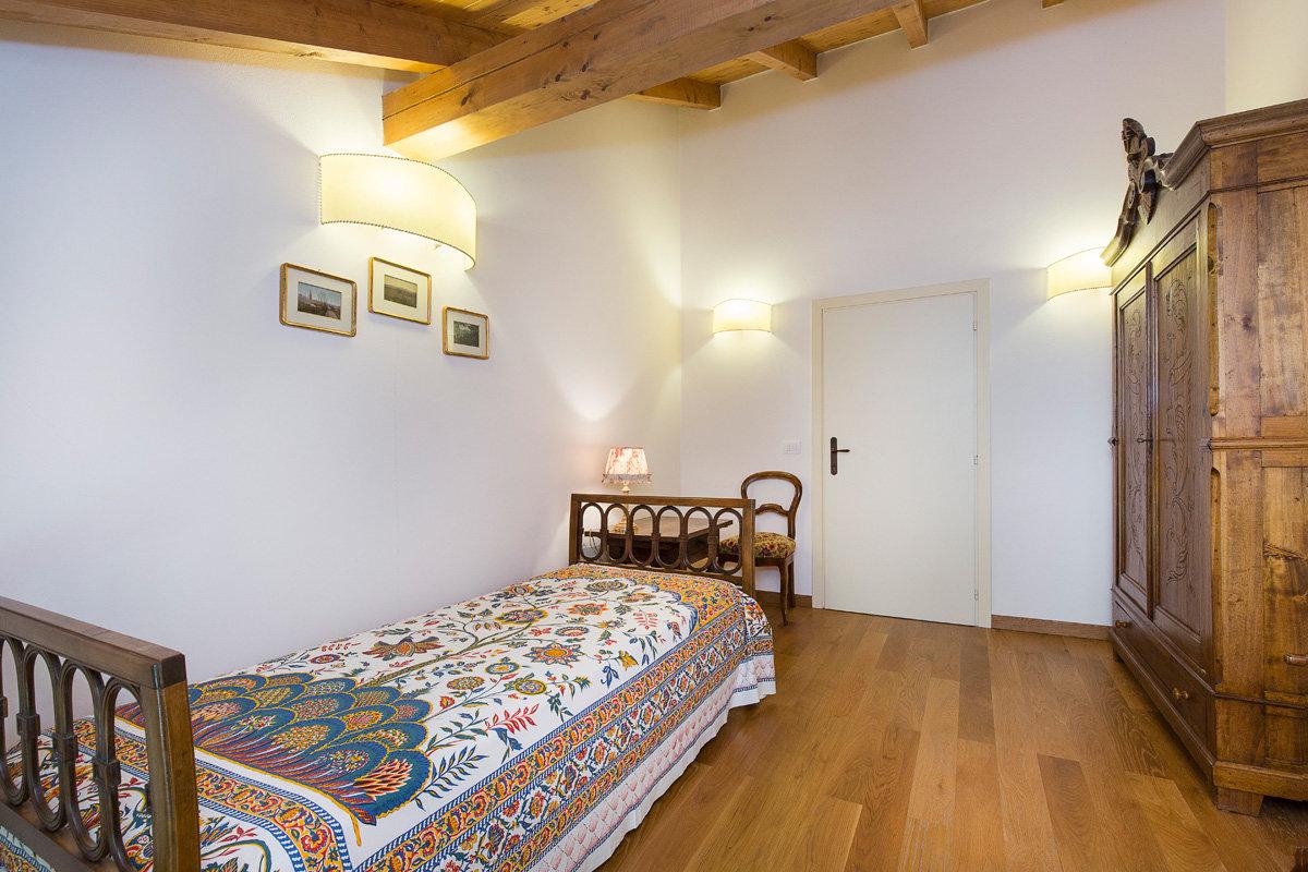 Premeno, period villa for sale on the lake - single bedroom