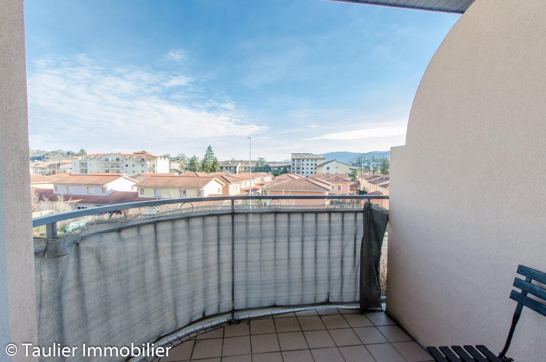T2 en résidence, avec balcon, locataire en place