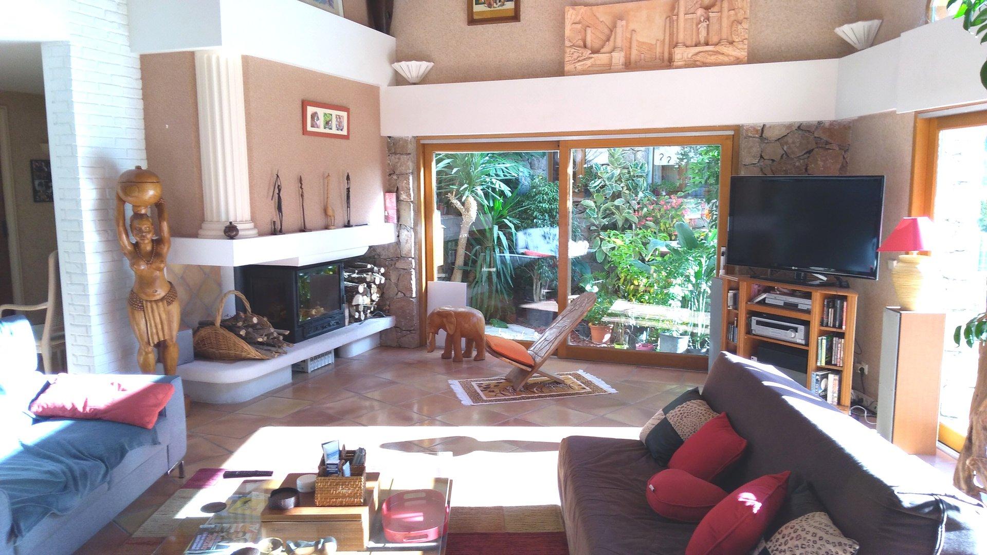 Puget-Théniers: Maison d'architecte 6p avec piscine