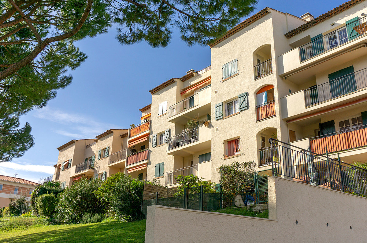 For Sale Antibes - 1 bed apartment with views to the sea