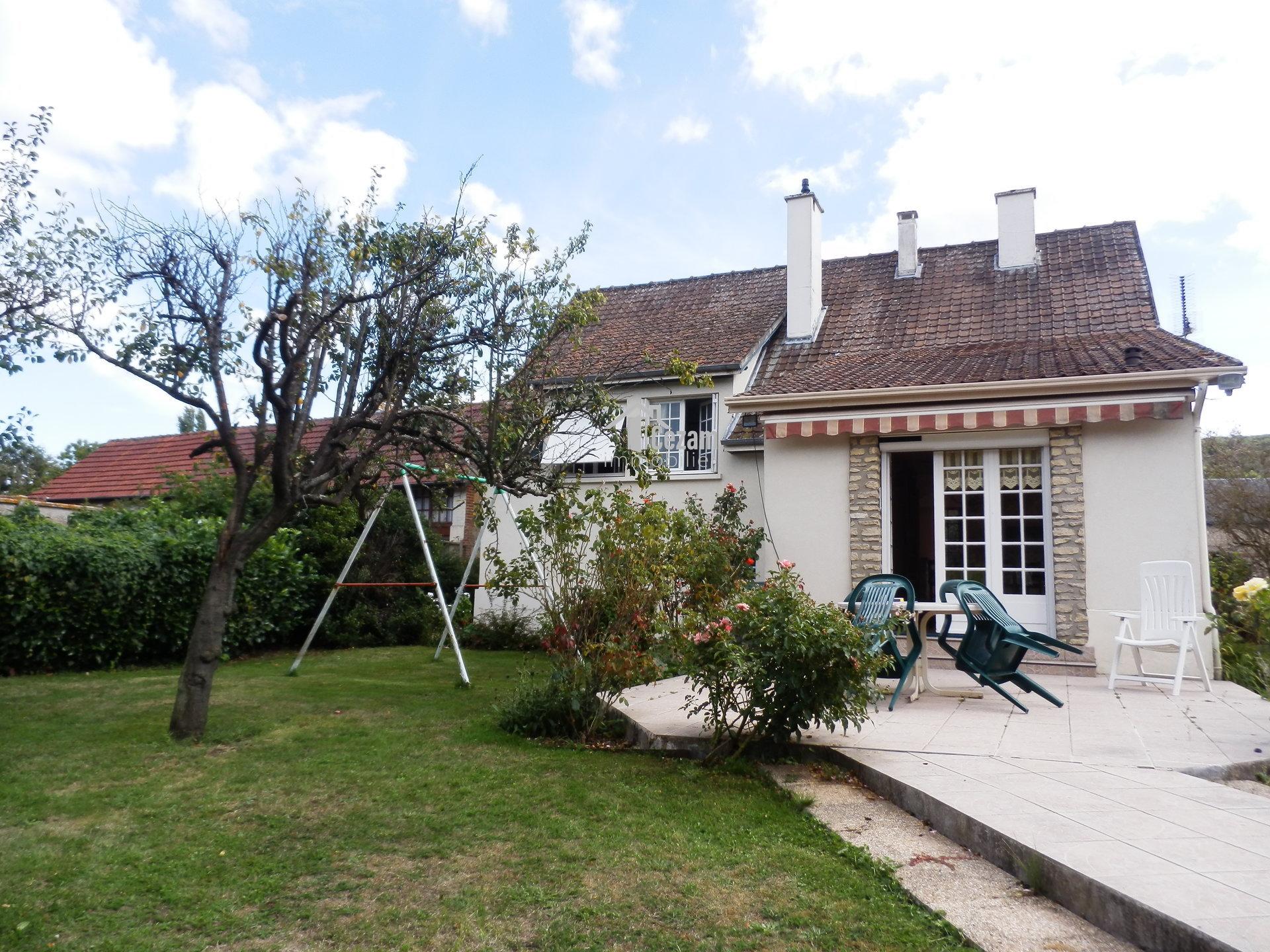 VALLEE D'ITON - Maison lumineuse et atypique