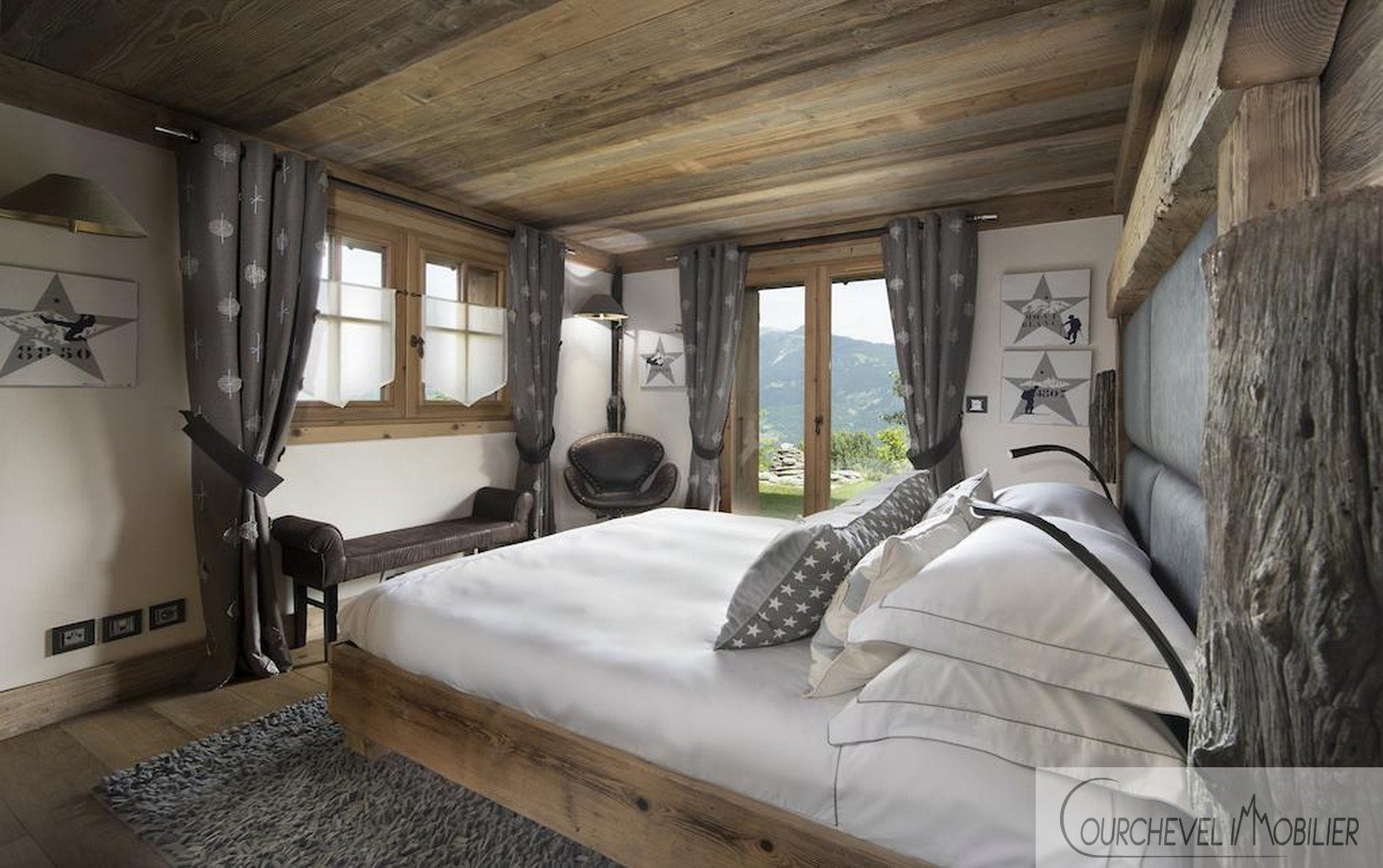 LUXUEUX CHALET - COURCHEVEL VILLAGE
