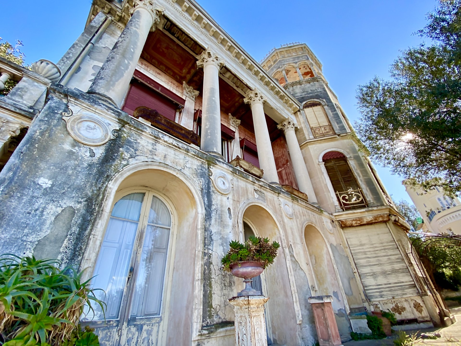Nice - Mont Boron - Authentic Château with sea view to be renovated