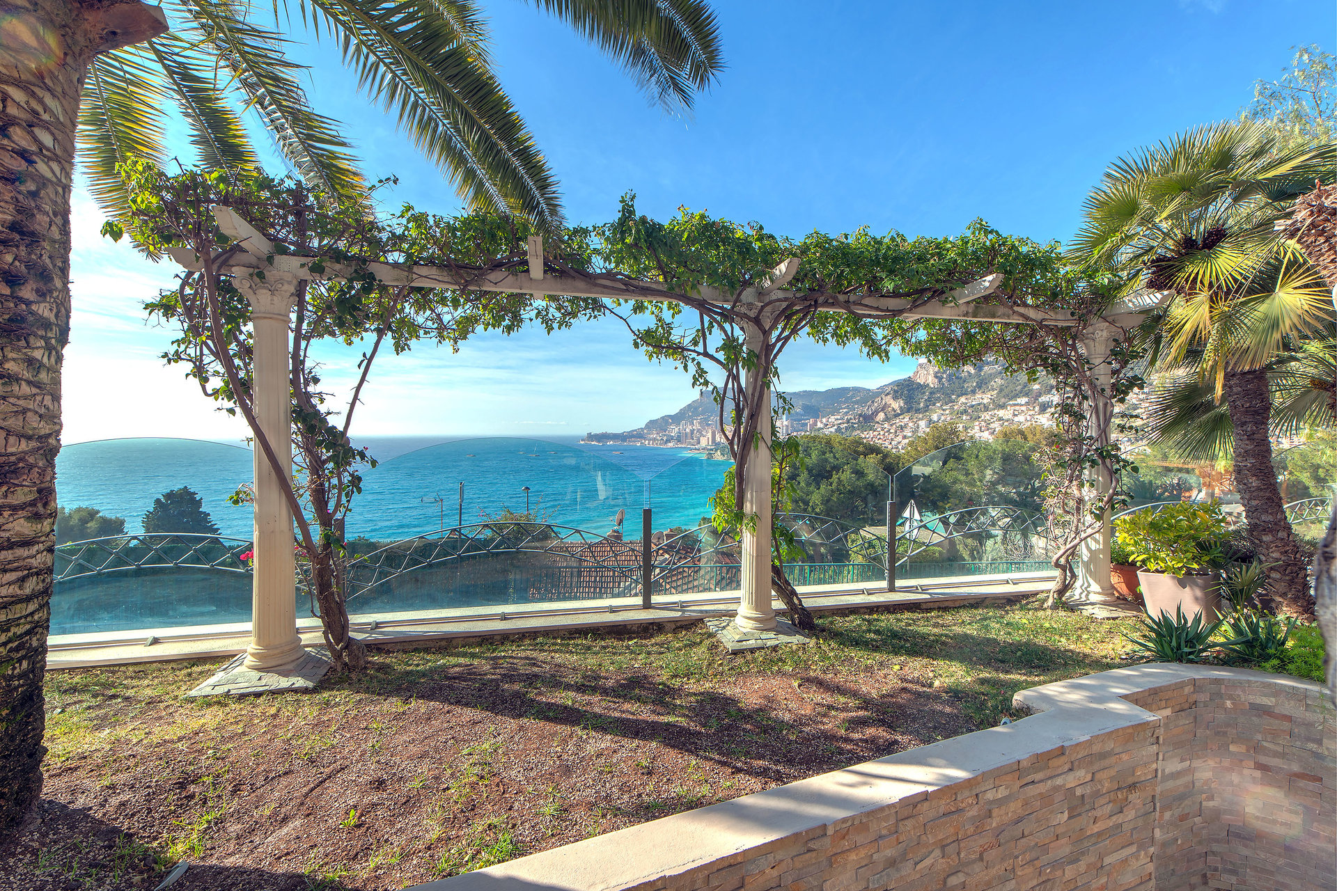 Villa contemporaine authentique à 5 mn de Monaco