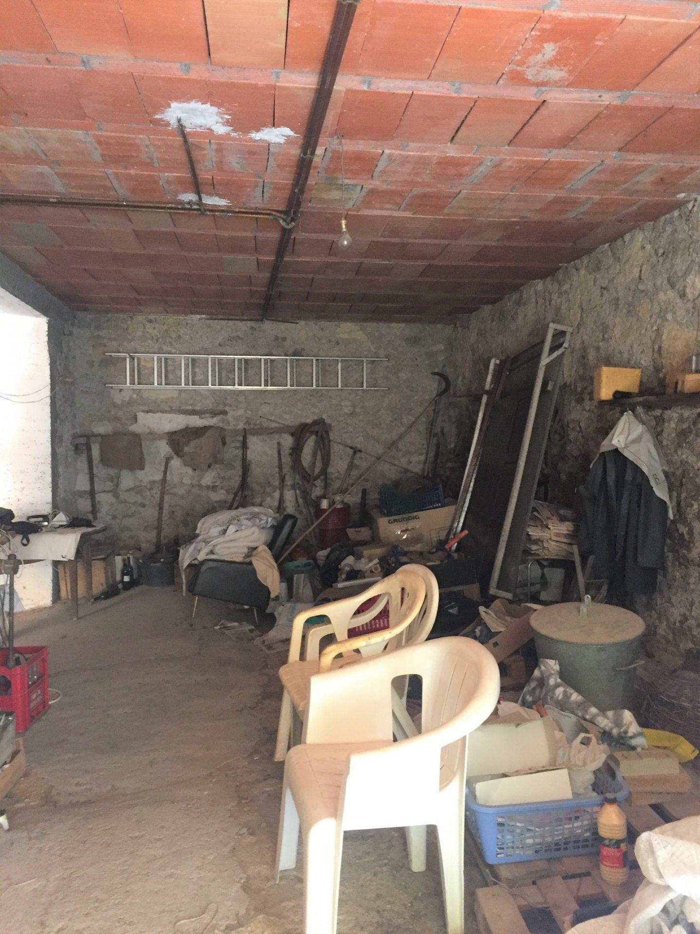 Maison ancienne avec terrain vignes de 1900m²