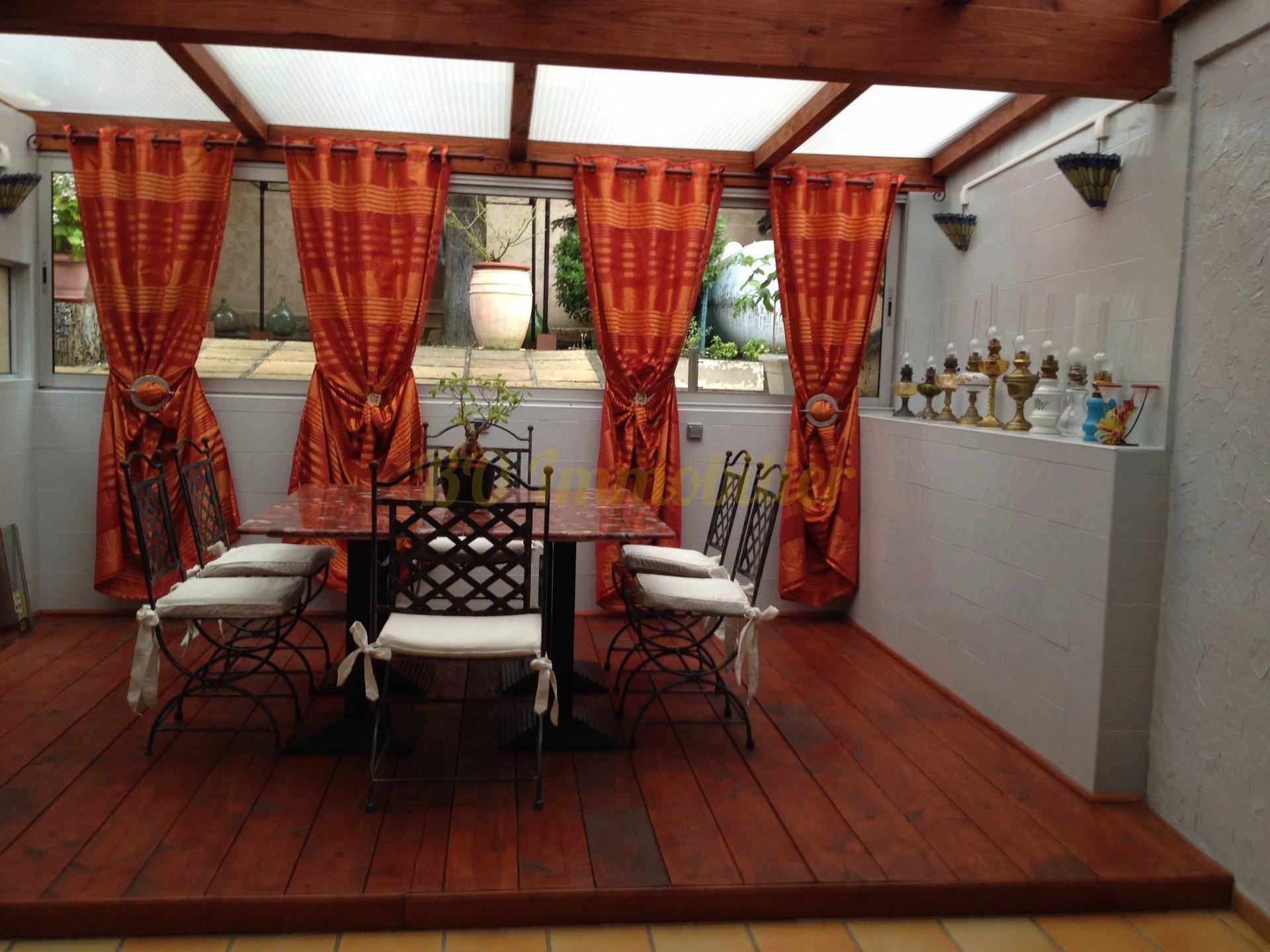 Maison individuelle de 230 m²  + exterieur de 300 m²