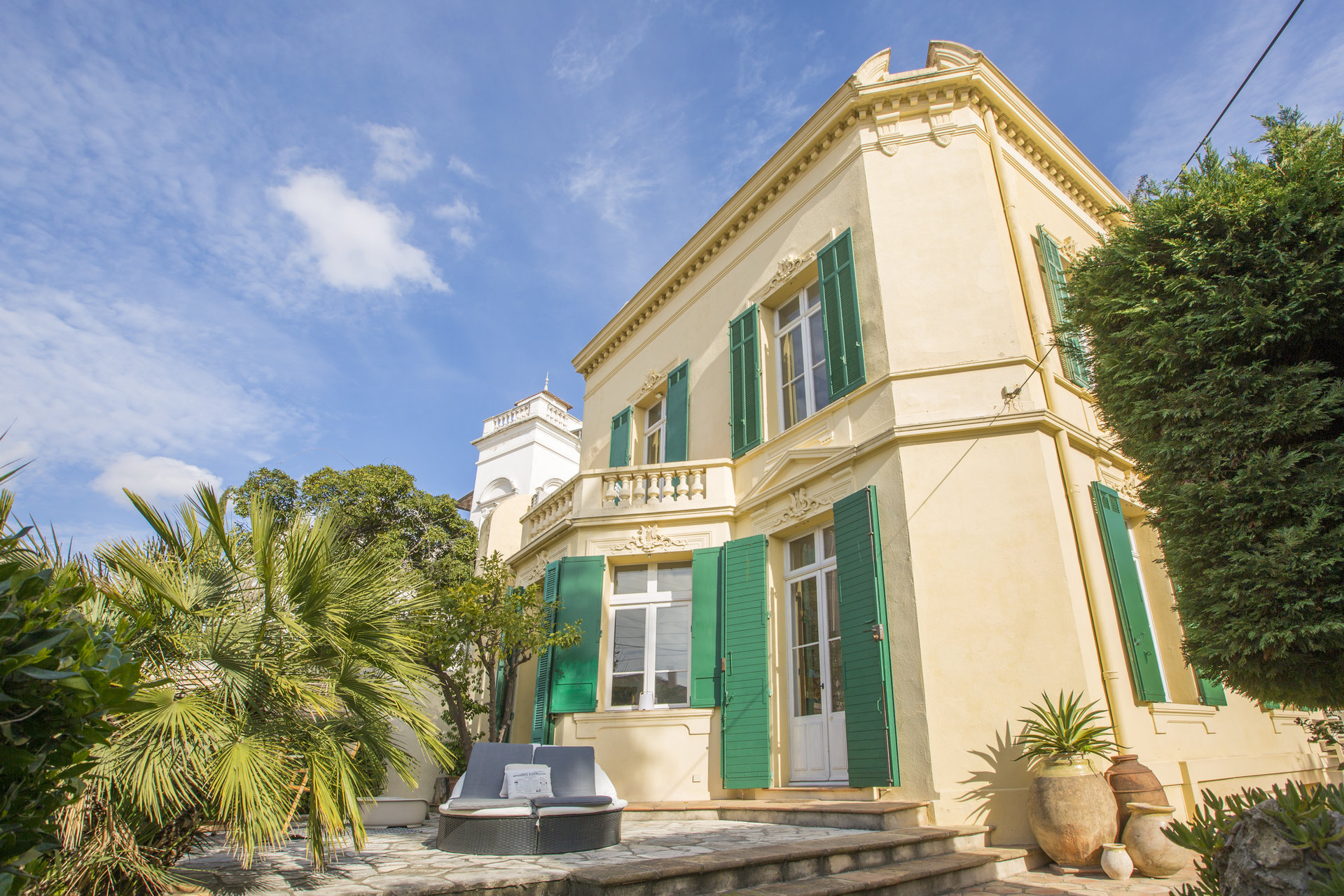 Renovated bourgeois town house, just 5 mins walk from the Forville Market in Cannes