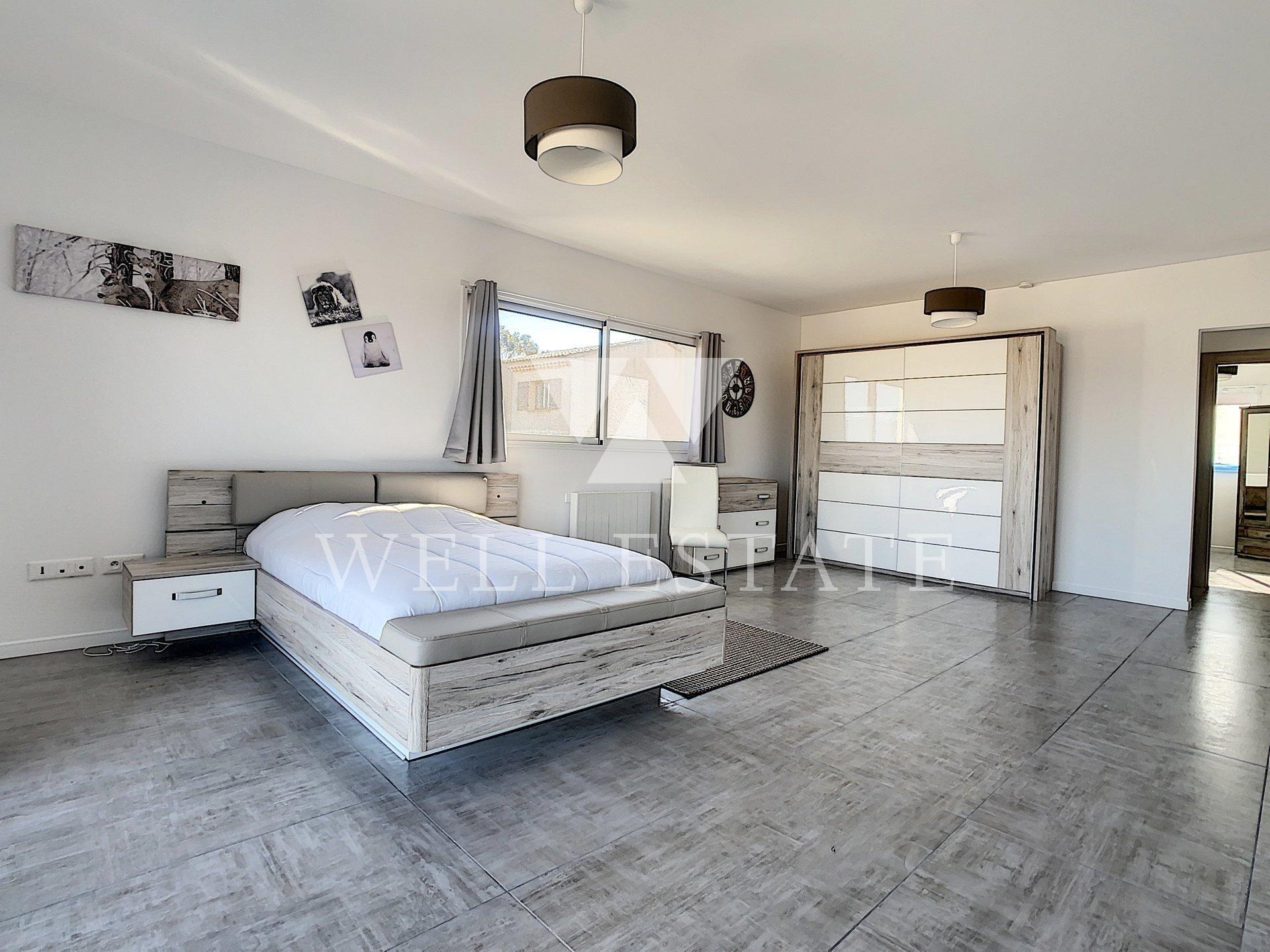 ST RAPHAEL CONTEMPORARY 4 BEDROOM VILLA 200M2 SWIMMING POOL