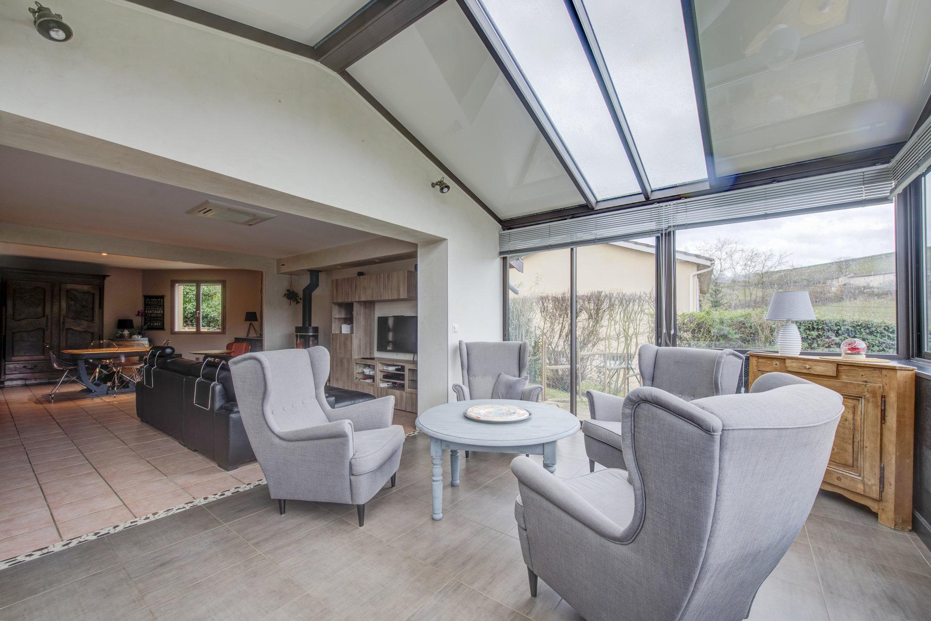 Pommiers magnifique maison 4 chambres avec piscine