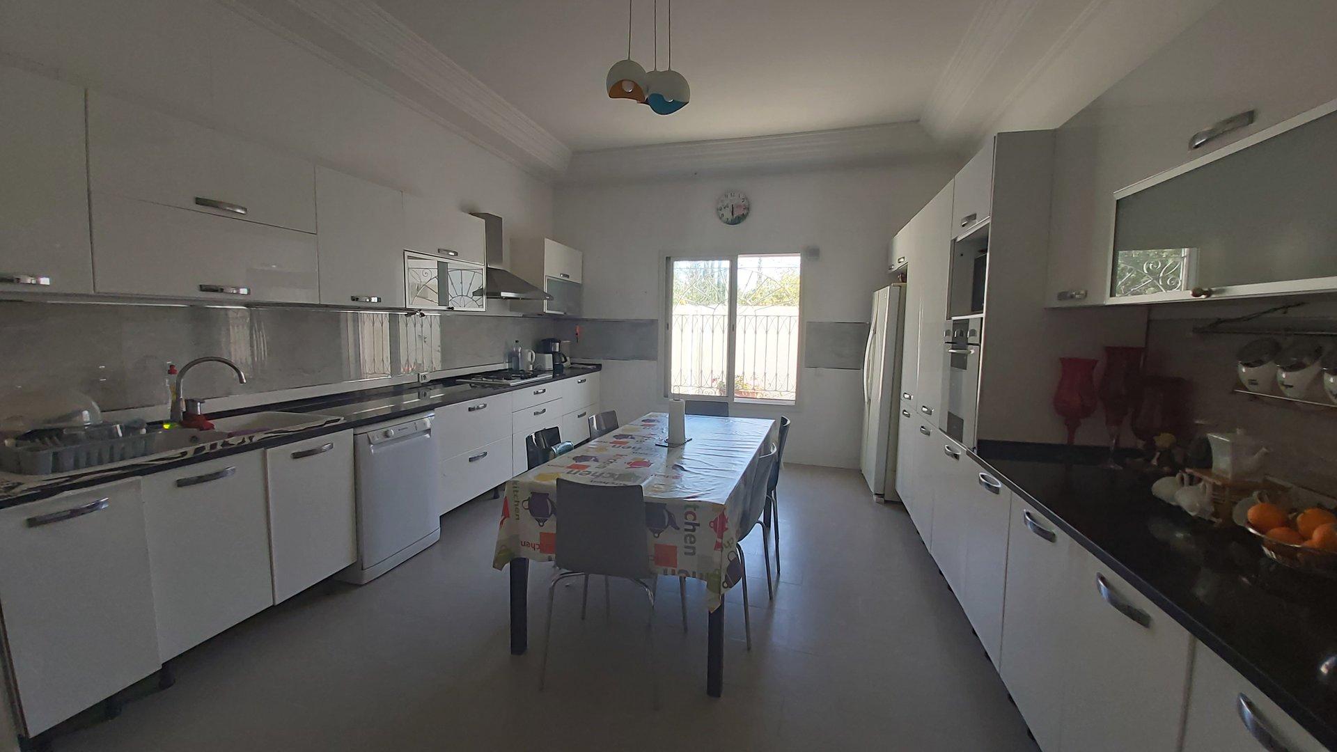 A Vendre Une Villa à Sidi Daoued derrière Carrefour La Marsa